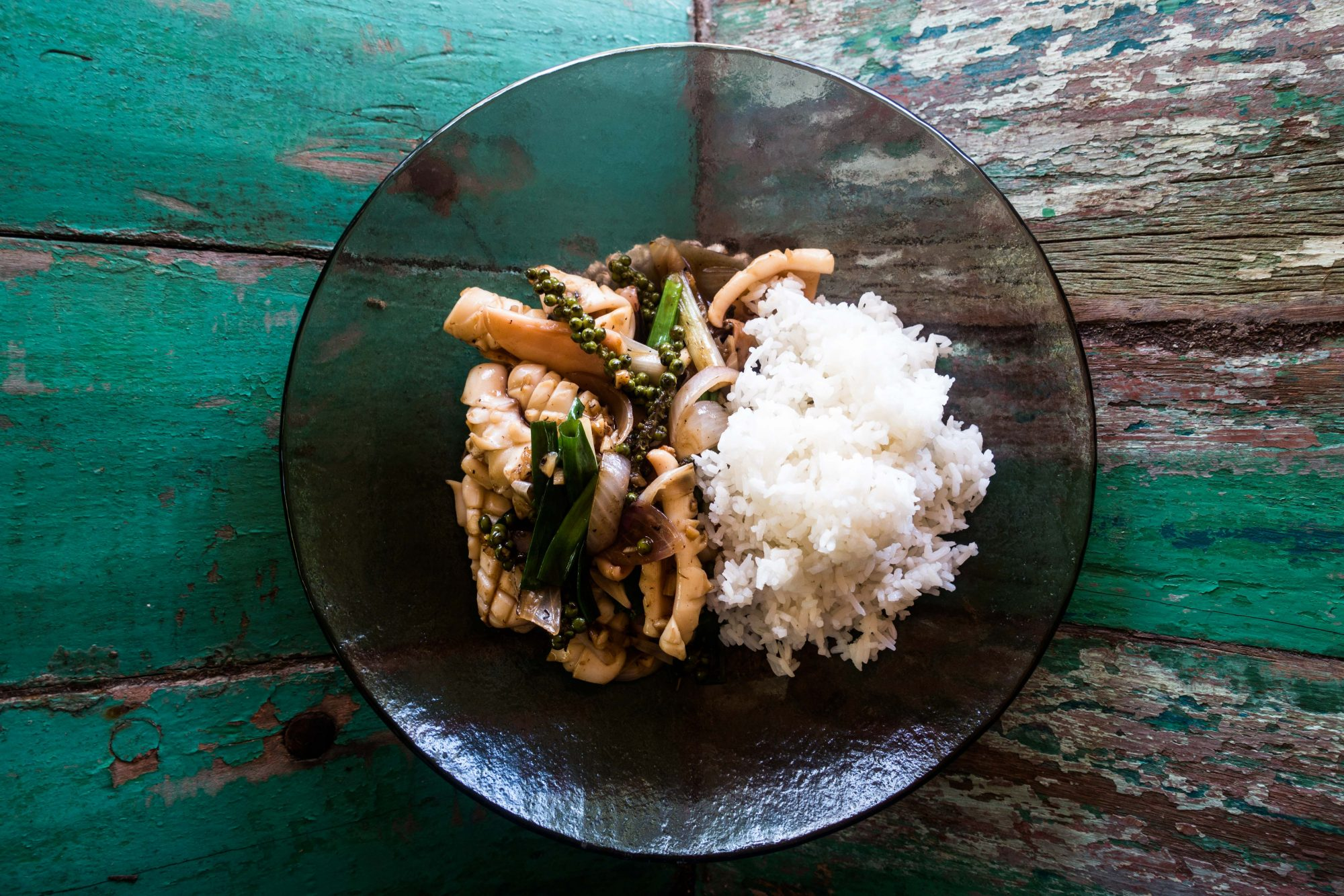 Stir-Fried Squid with Green Peppercorns