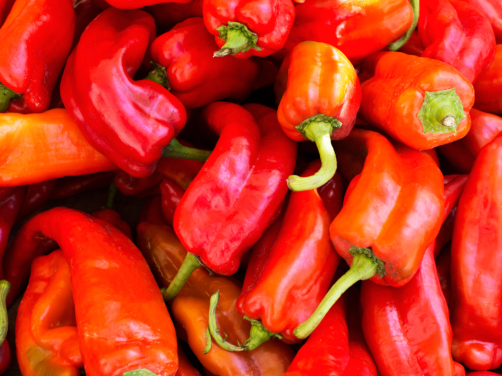 Is It Dangerous to Eat Really Hot Peppers?