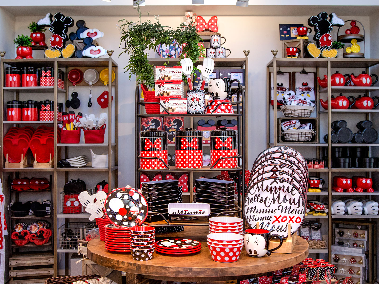 Minnie Mouse Collection at Disney Home