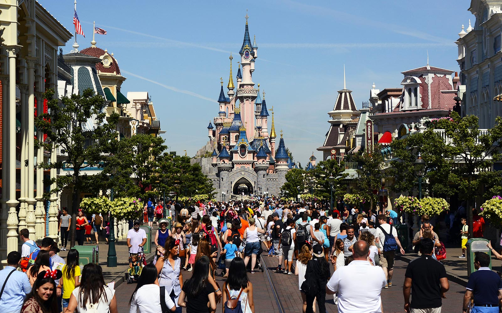 Disneyland Paris' $2.5 billion Expansion Will Include 'Star Wars,' Marvel and 'Frozen'