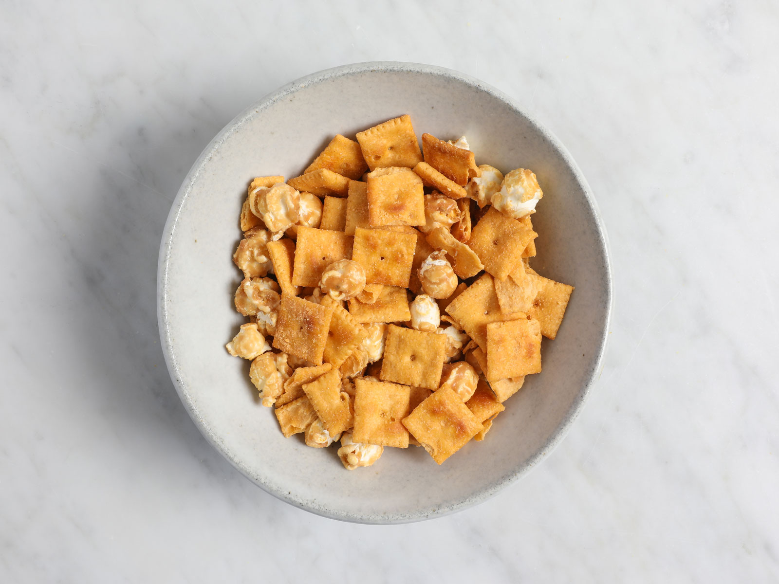 Duoz Caramel Popcorn and Cheddar Cheez-Its