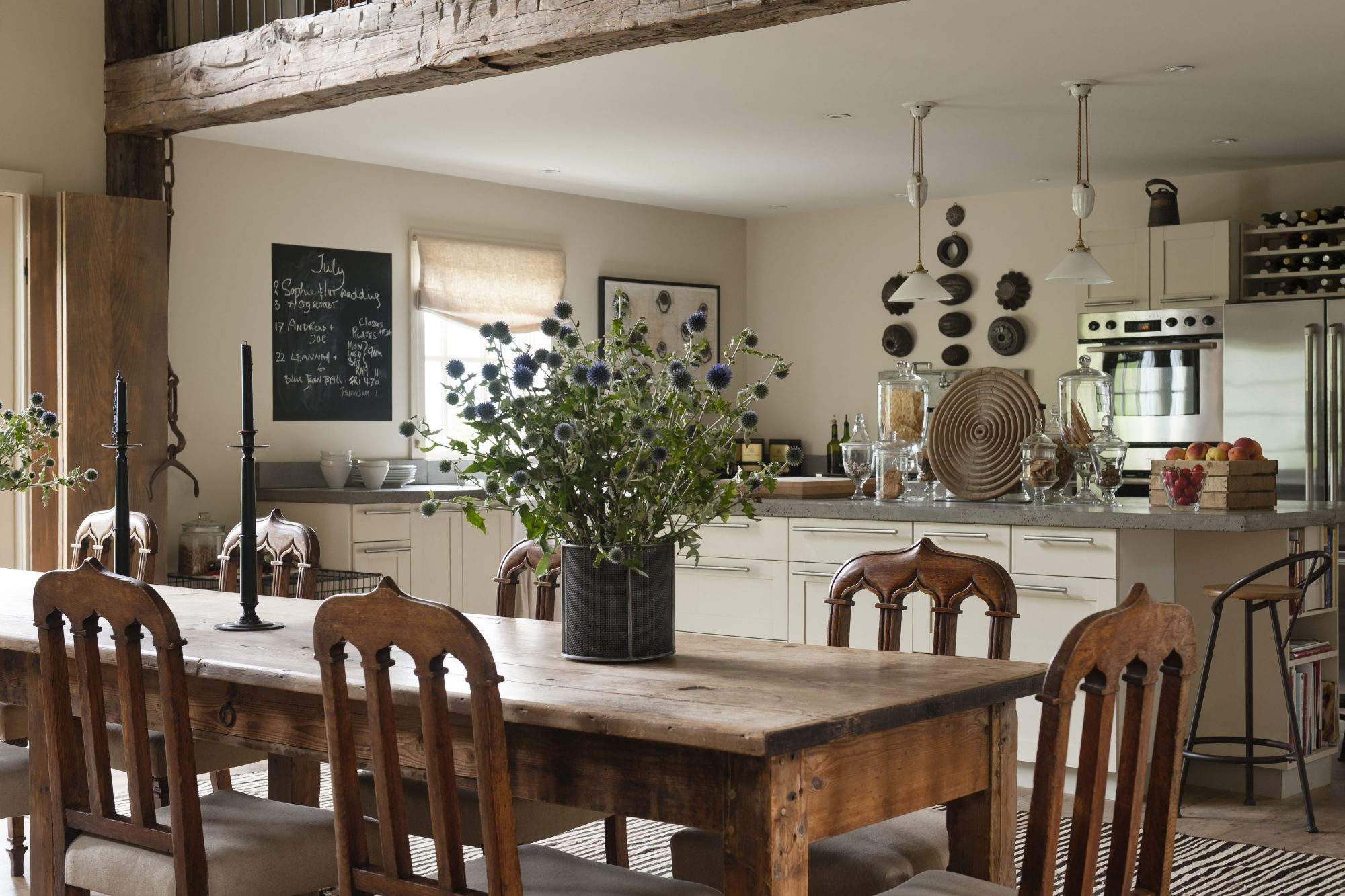 3 Things You Need to Know Before Buying a Farmhouse Table