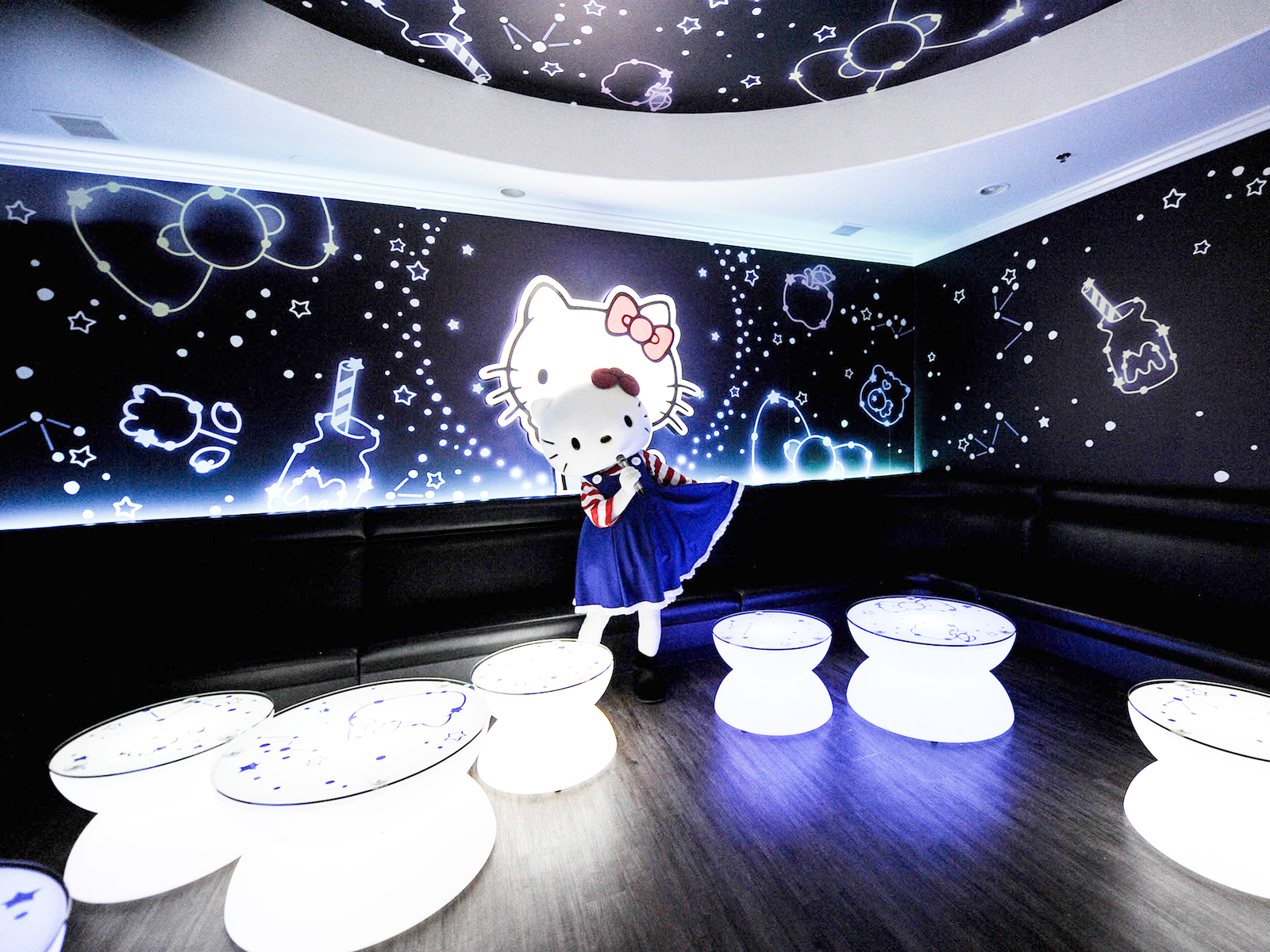 starry room at sanrio karaoke