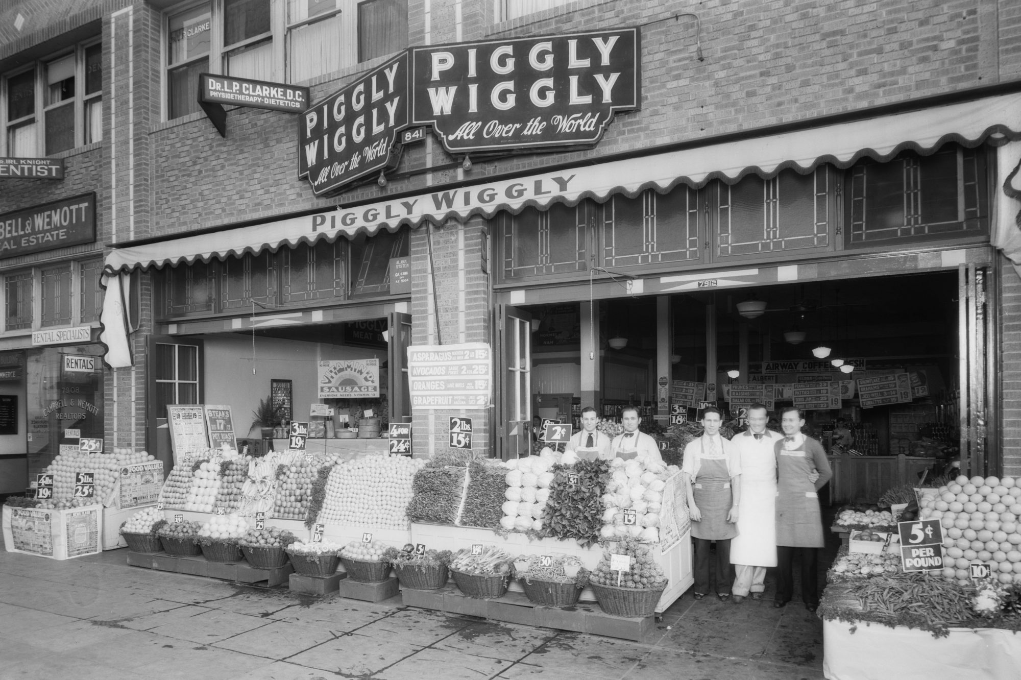 Piggly Wiggly Storefront in 1934