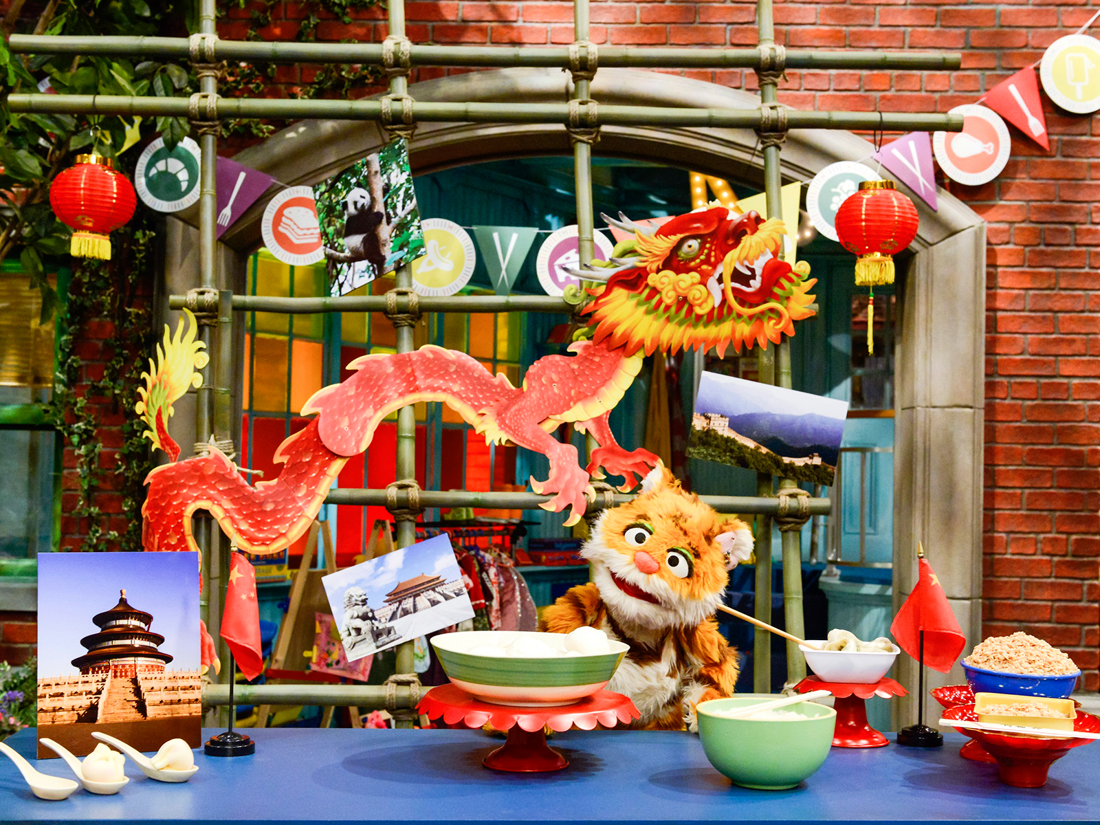 new episode of sesame street about street food