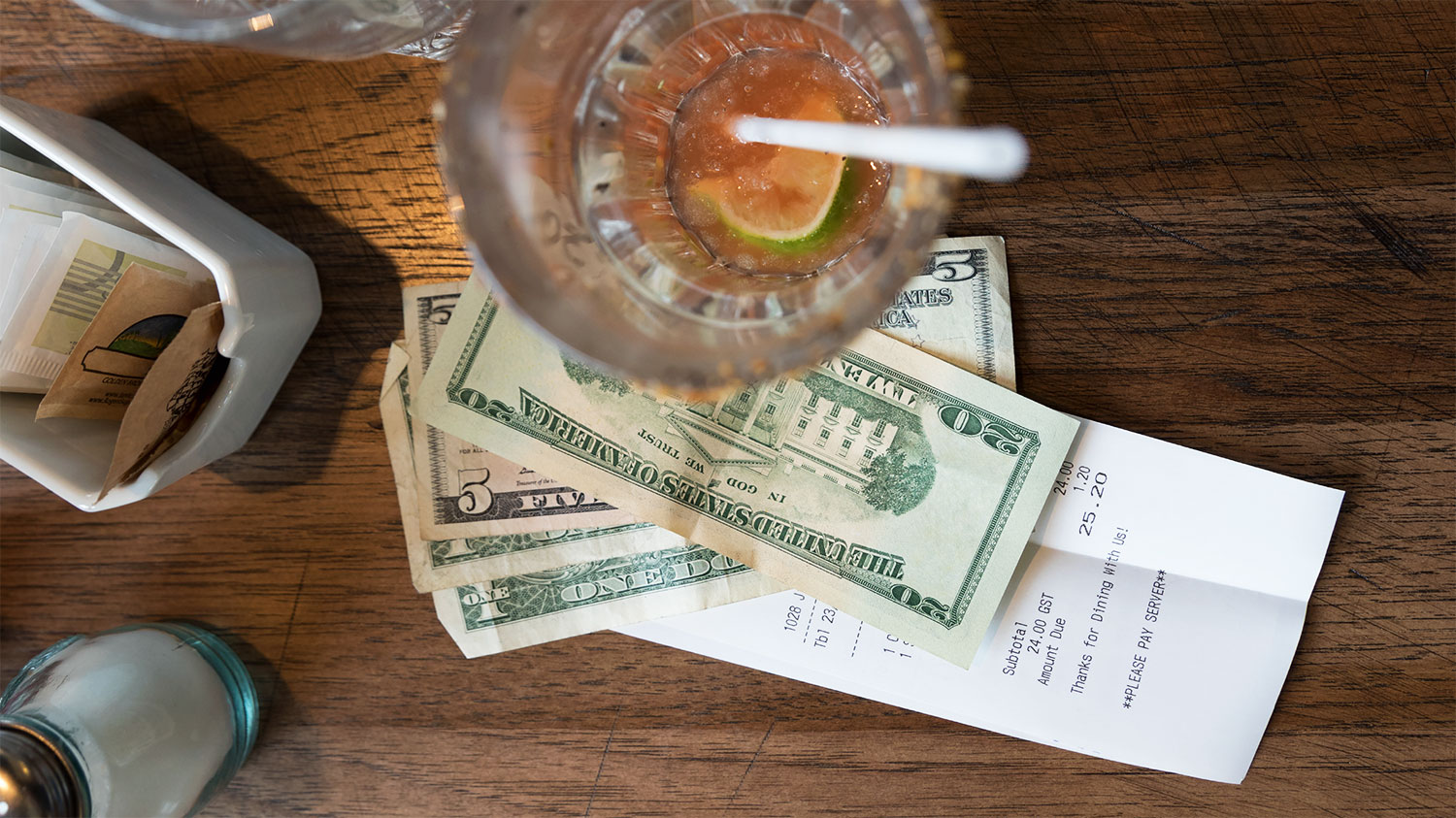 Congress Introduces Legislation to Ensure Restaurants Can't Take Servers' Tip Money