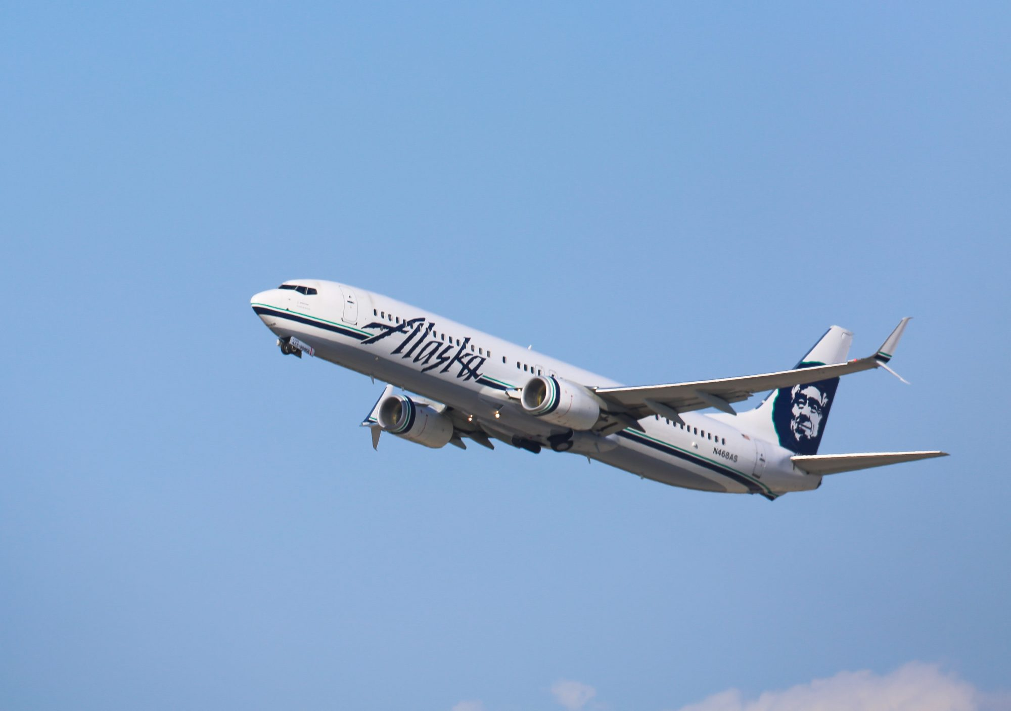 Alaska Airlines Boeing 737 is seen taking off from LAX on October 03, 2016 in Los Angeles, California.
