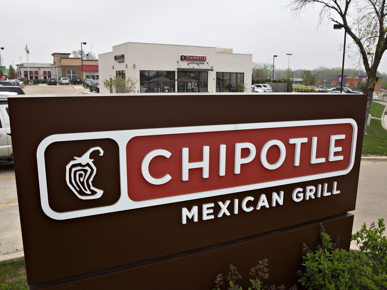 chipotle-drive-thru-FT-BLOG0518.jpg