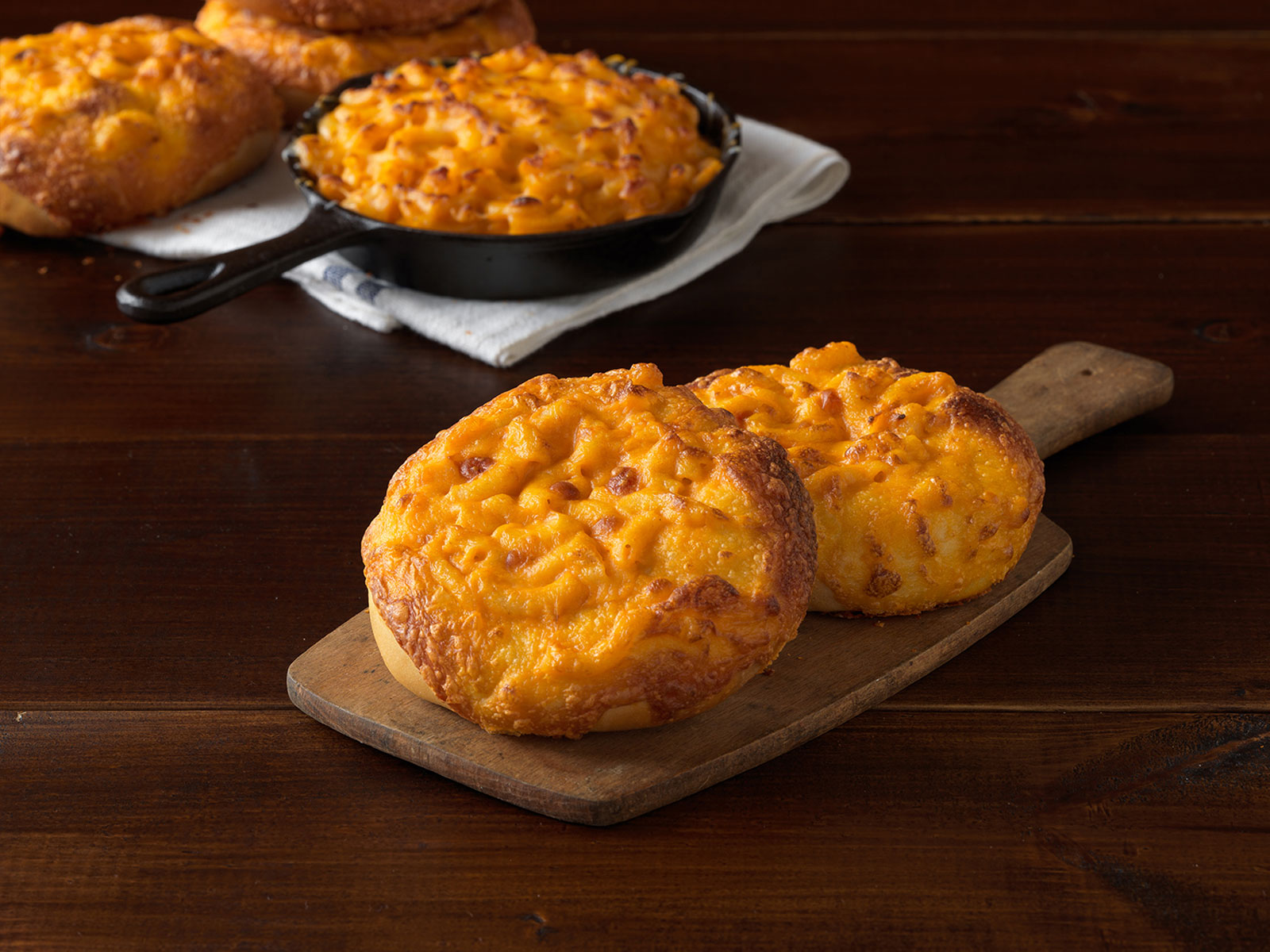 einstein-bros-mac-cheese-bagel2-FT-BLOG0518.jpg