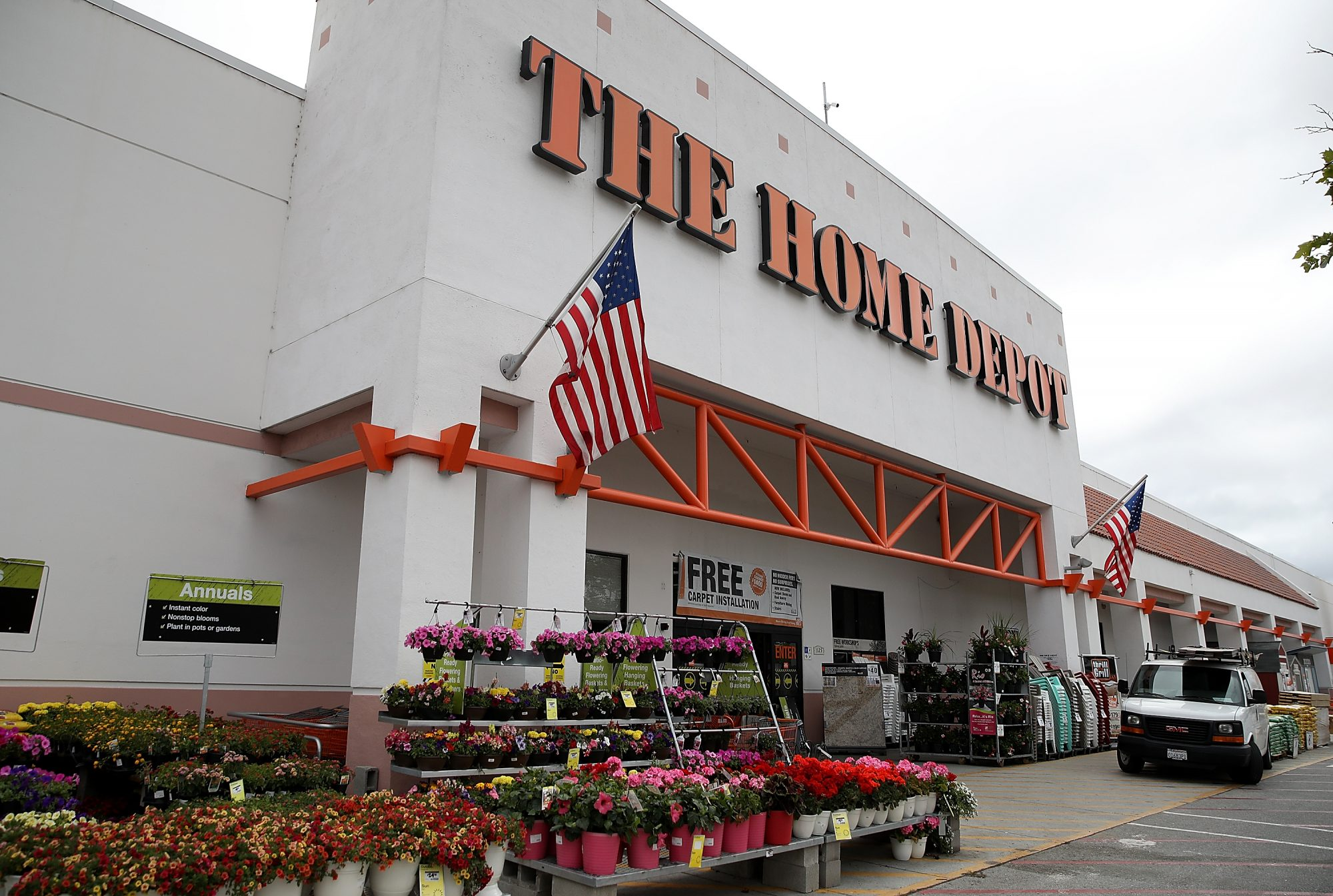 Home Depot and Lowe's Memorial Day 2018 Sales Already Started and the Deals Are Awesome
