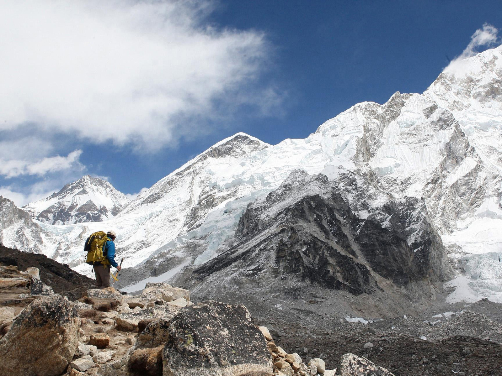 This Mount Everest Pop-Up Restaurant Requires an Eight-Day Climb