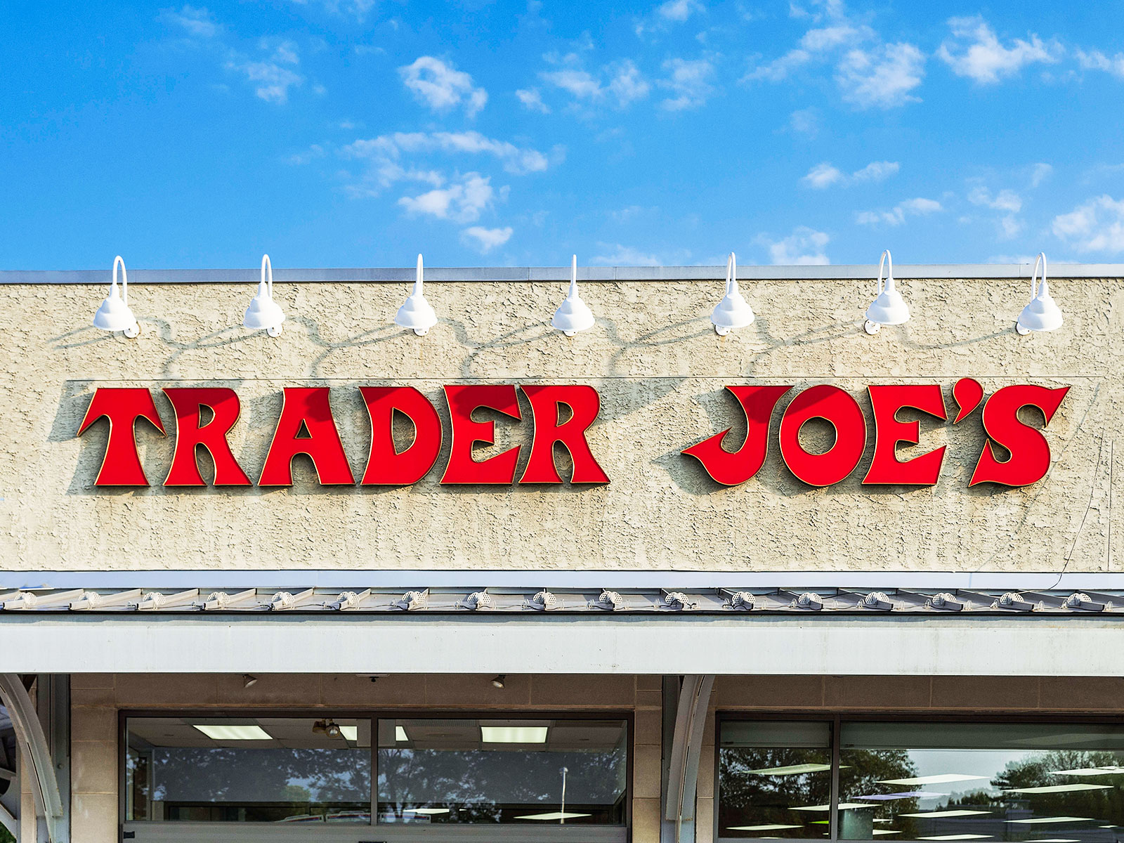 5 Things Nutritionists Load Up on at Trader Joe's
