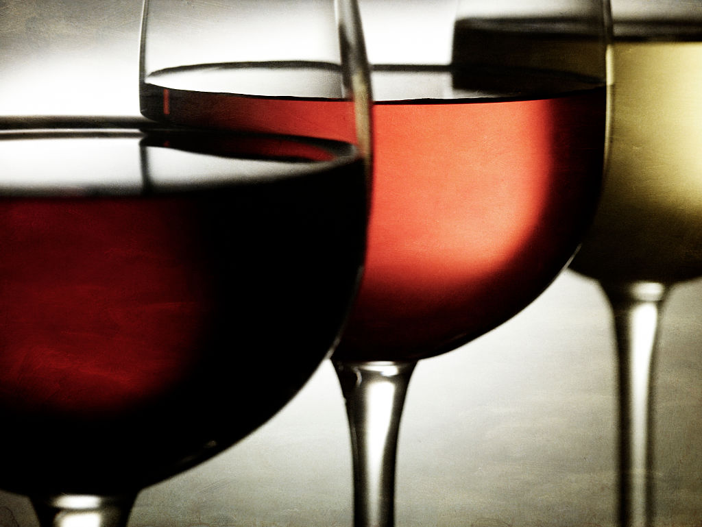 The 5 Healthiest Types of Wine, Ranked