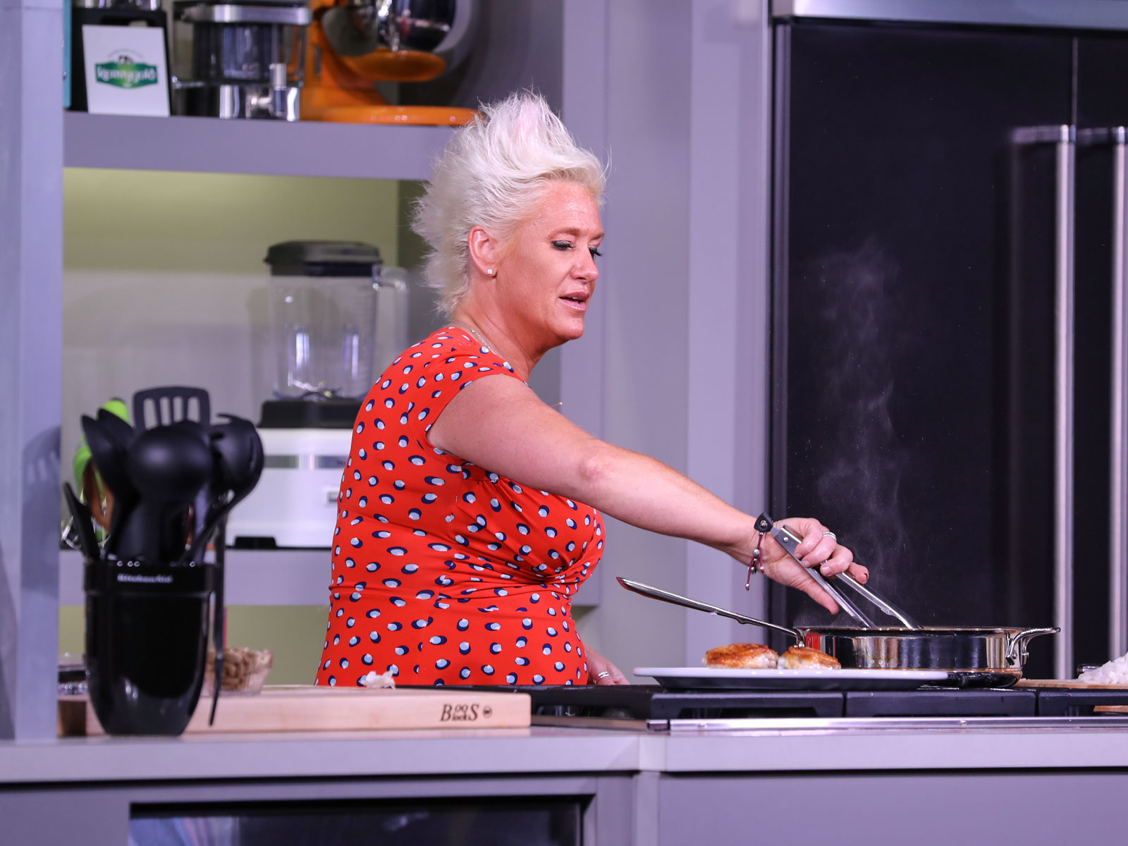 Anne Burrell's Tips for Building a Better Braise