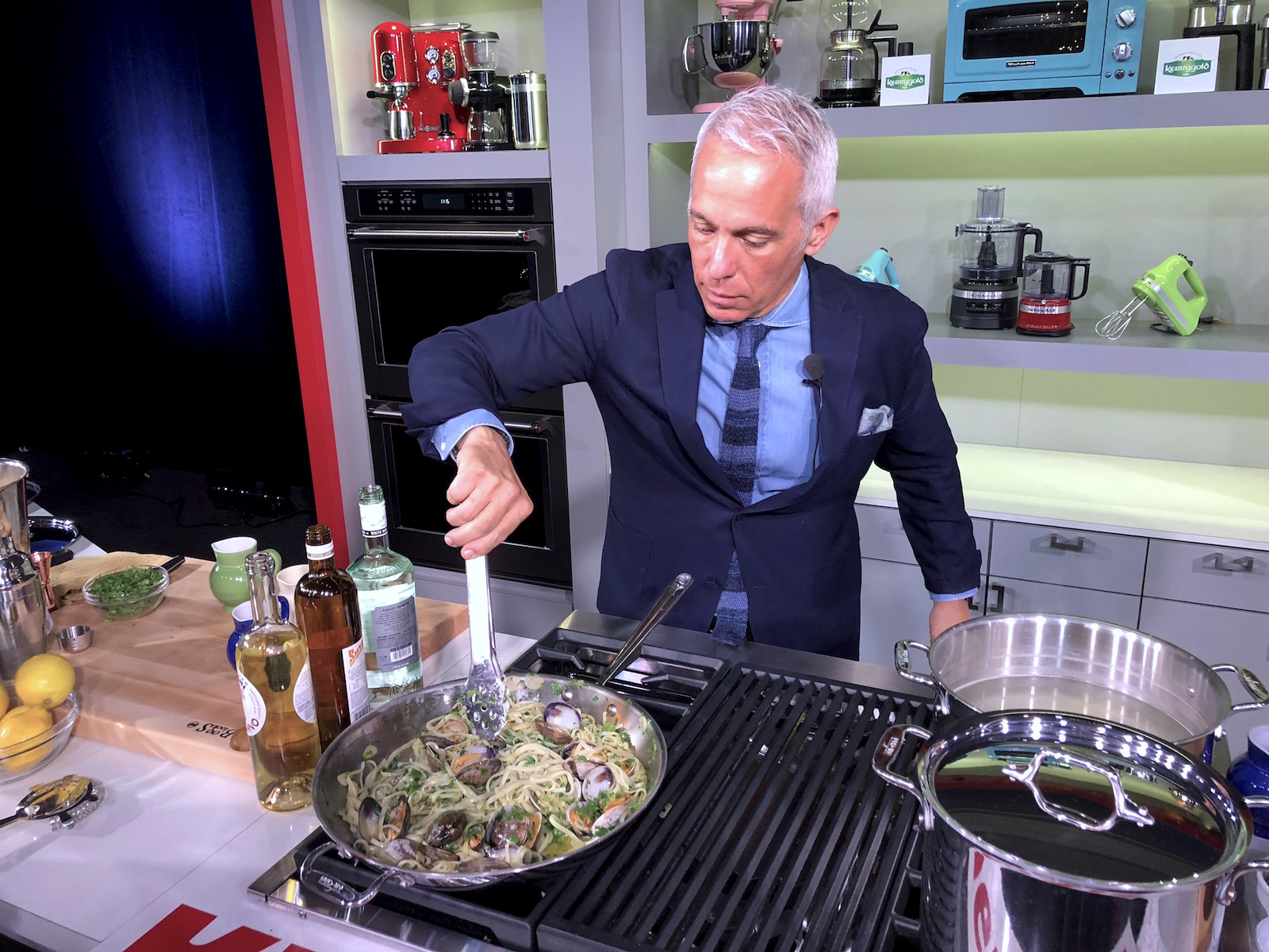 5 Tips for Perfect Linguine with Clams from Geoffrey Zakarian