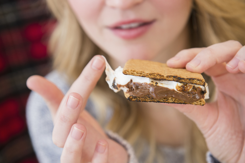 How to Make Better-for-You S'mores, According to a Nutritionist