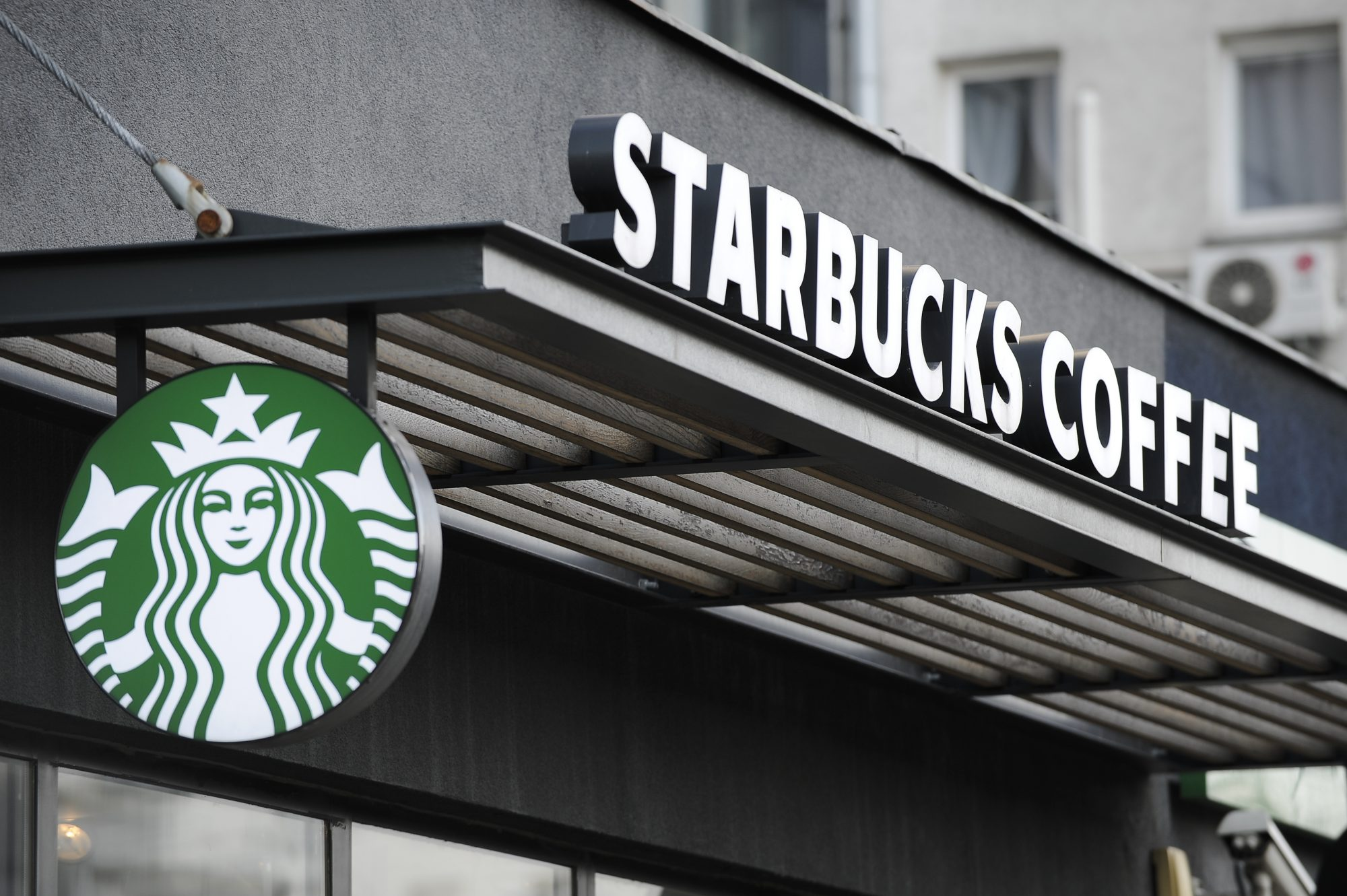 Heads Up, Drink Scammers: Starbucks Is Onto You