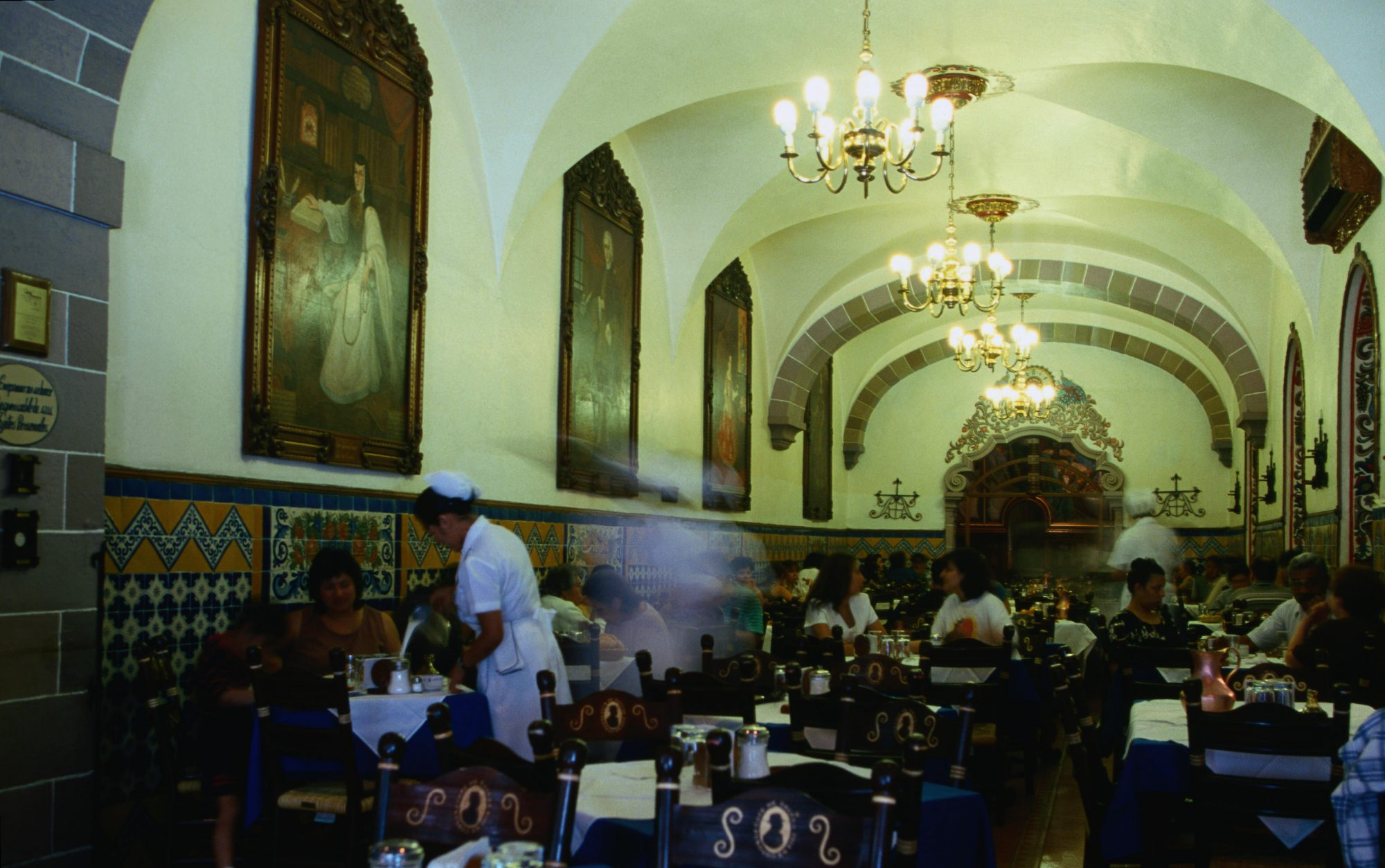 This Breathtaking Mexico City Restaurant Is a History Lover's Dream