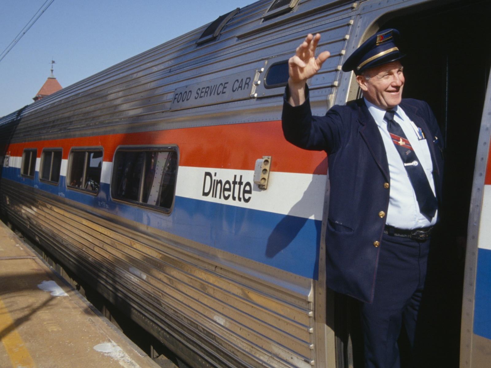 Amtrak's Sleeper Car Menus Are About to Get a Major Upgrade
