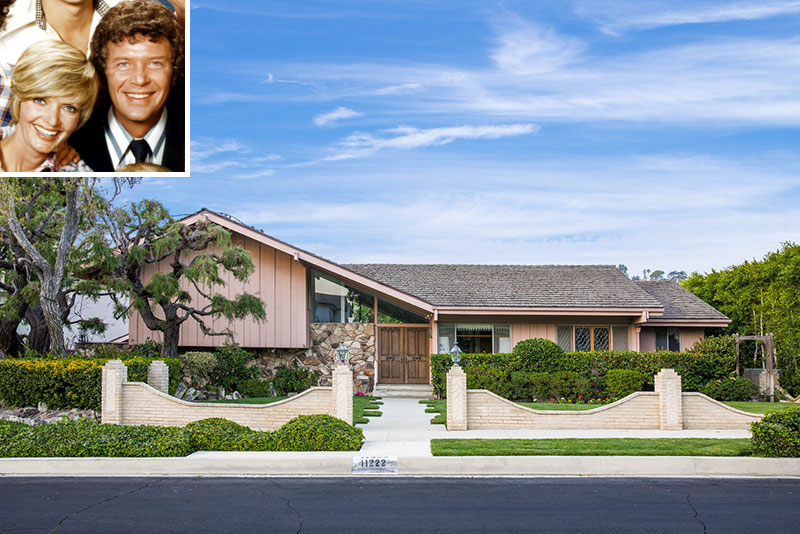 HGTV Outbids Lance Bass to Buy the Brady Bunch House—and Will 'Restore' it to '1970s Glory'