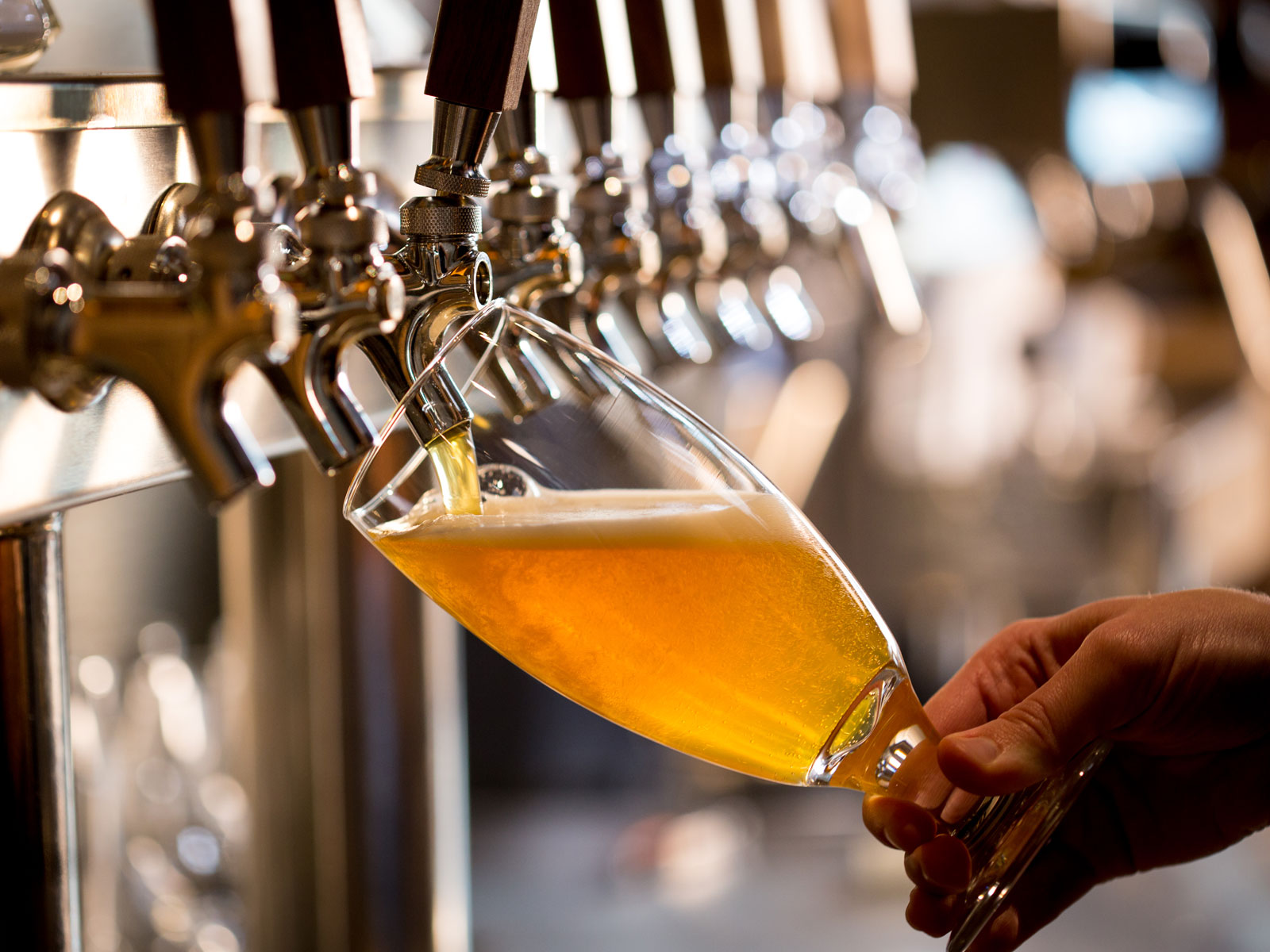 5 Groundbreaking Craft Beers Worth Traveling For