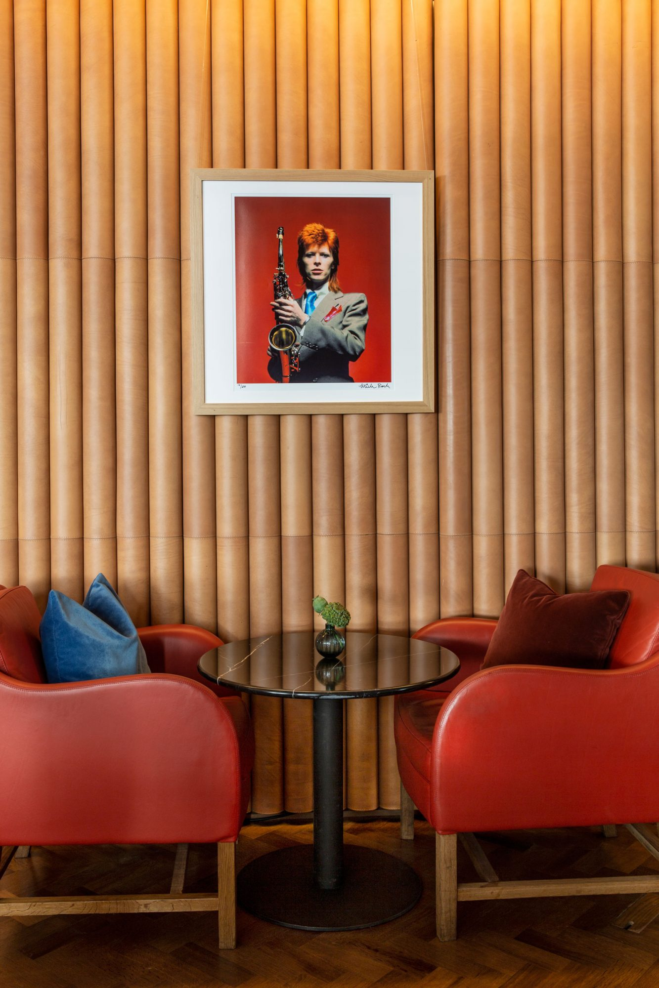 David Bowie Ziggy Stardust Bar Interior XL BLOG0818.