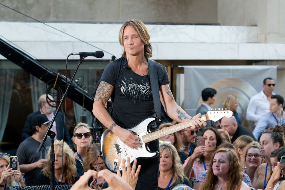 Keith Urban Seemed Short on Cash at a N.J. Store so Local Teacher Graciously Picked Up the Tab