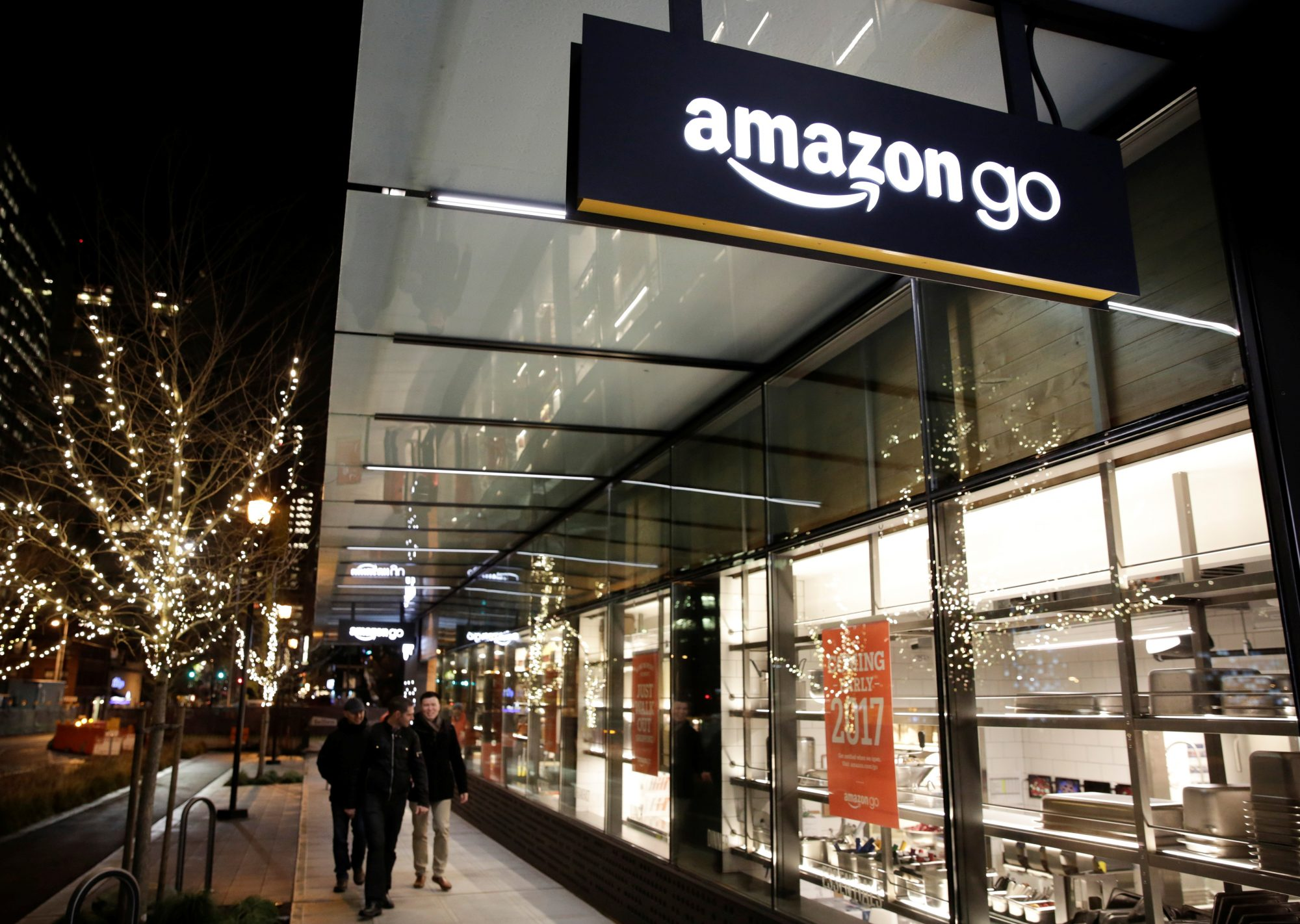 First Amazon Go Store Outside Seattle Opens in Chicago