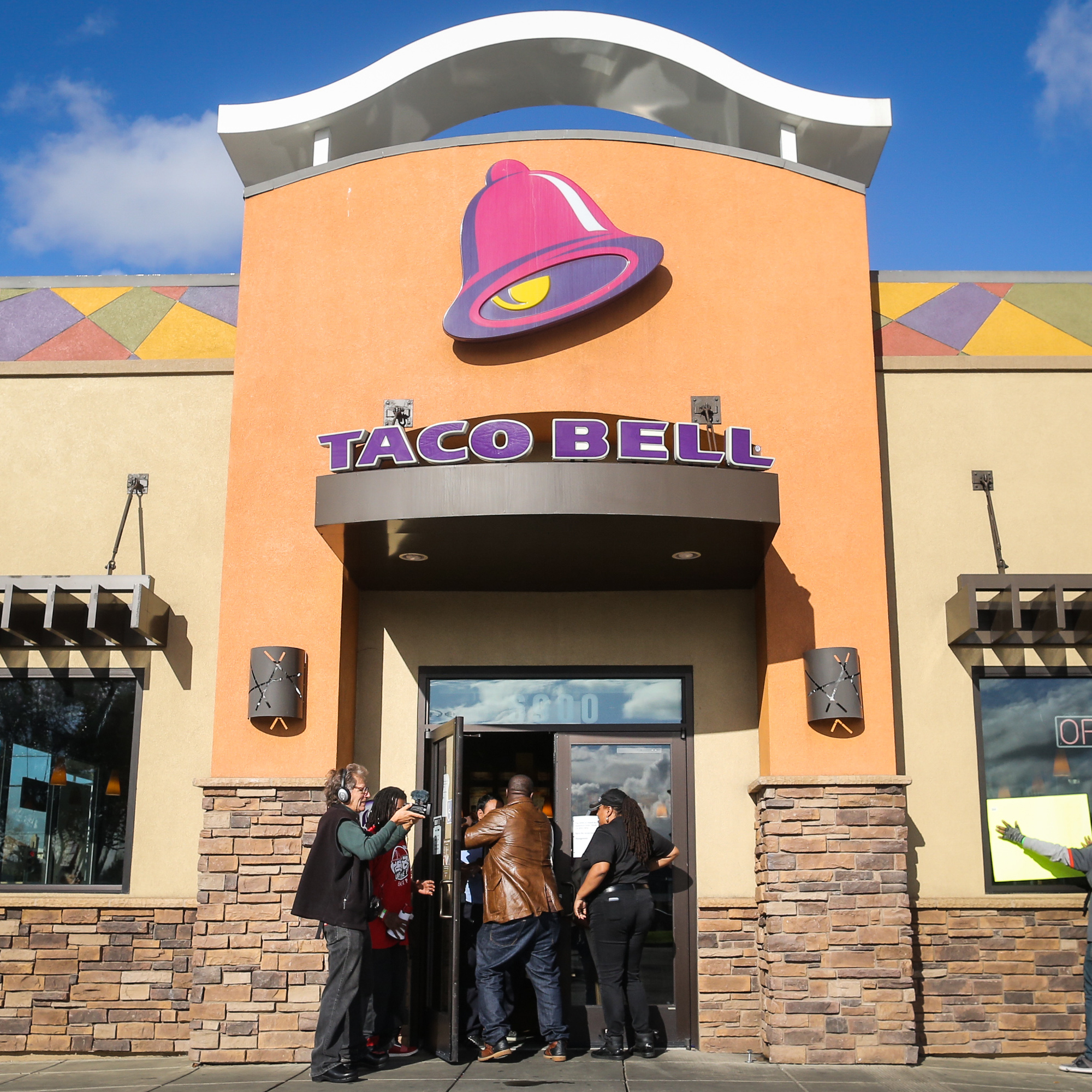 The Hottest Topic at Taco Bell's Annual Conference: Nationwide Delivery
