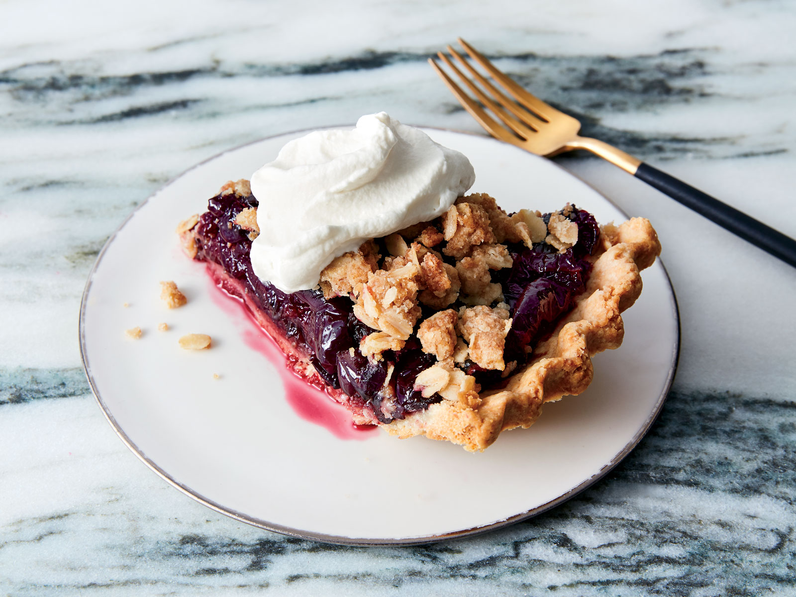 Dark-Cherry Crumble Pie