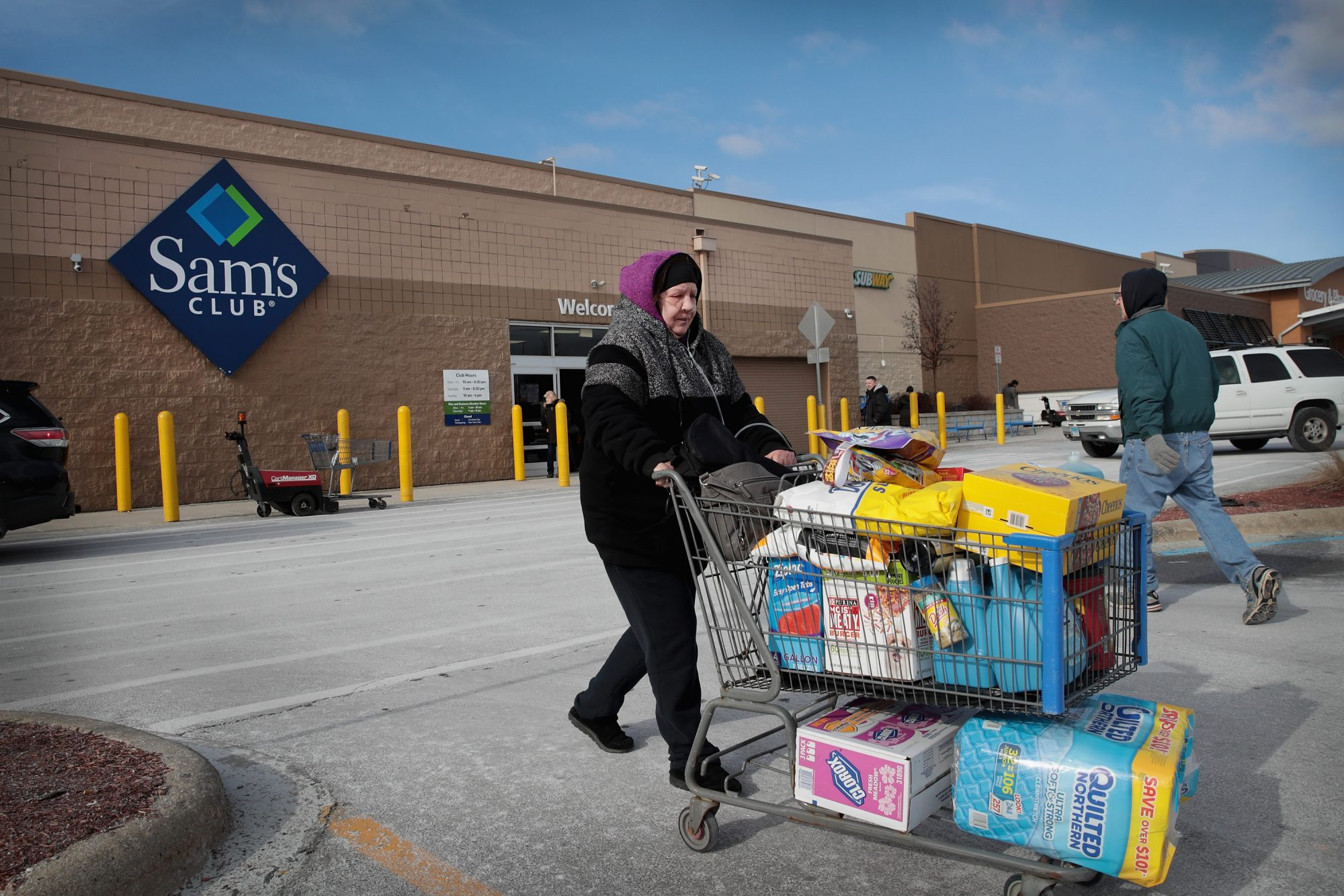 How Walmart's Sam's Club Is Following Amazon Into Cashierless Stores