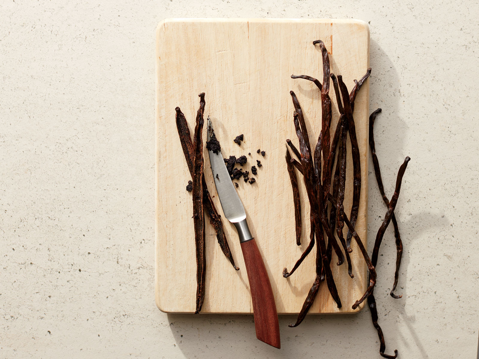 How to Seed a Vanilla Bean Pod