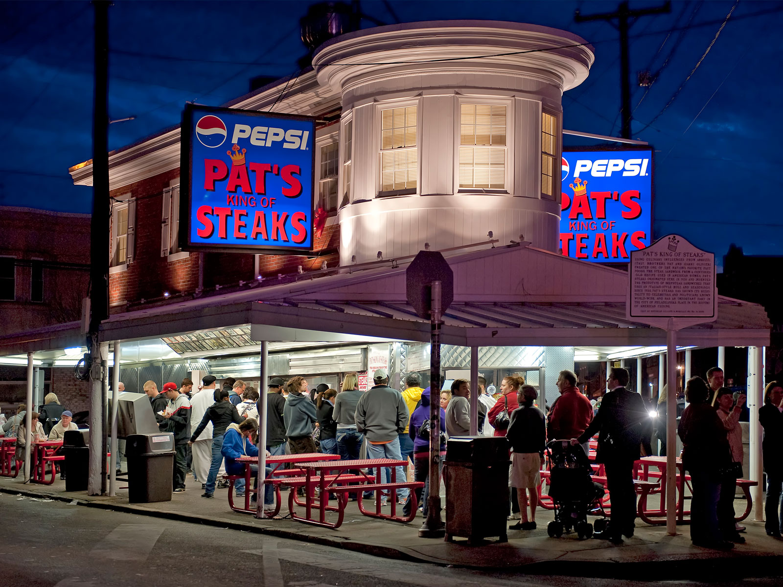 Here Are the Top Late-Night Restaurants in 7 Major Cities, According to Lyft