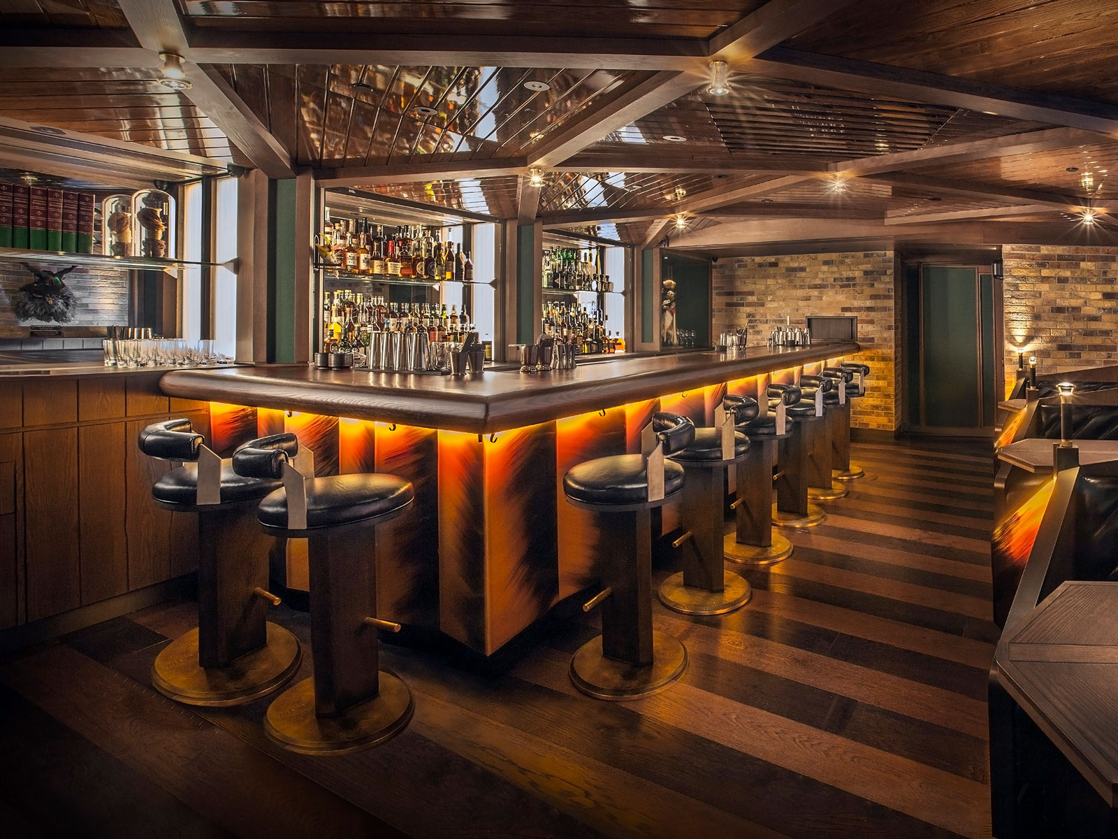 This Speakeasy Hidden Inside a Hotel Is Hong Kong's Coolest Cocktail Experience