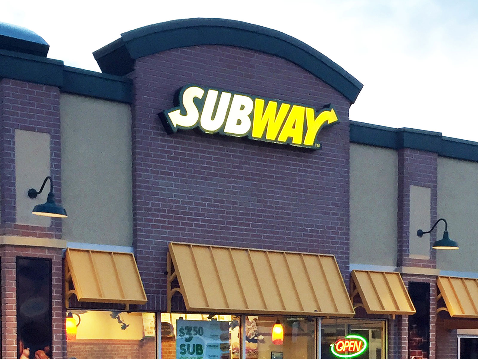 Subway Offers Delivery At 9 000 Locations Food Amp Wine