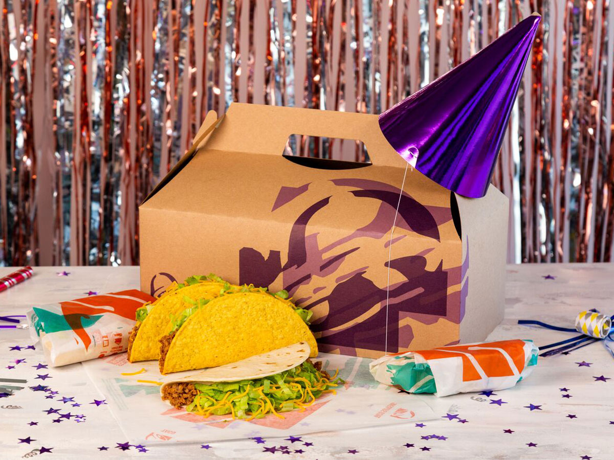 Taco Bell Christmas Eve.Taco Bell Has Party Packs That Can Even Be Delivered