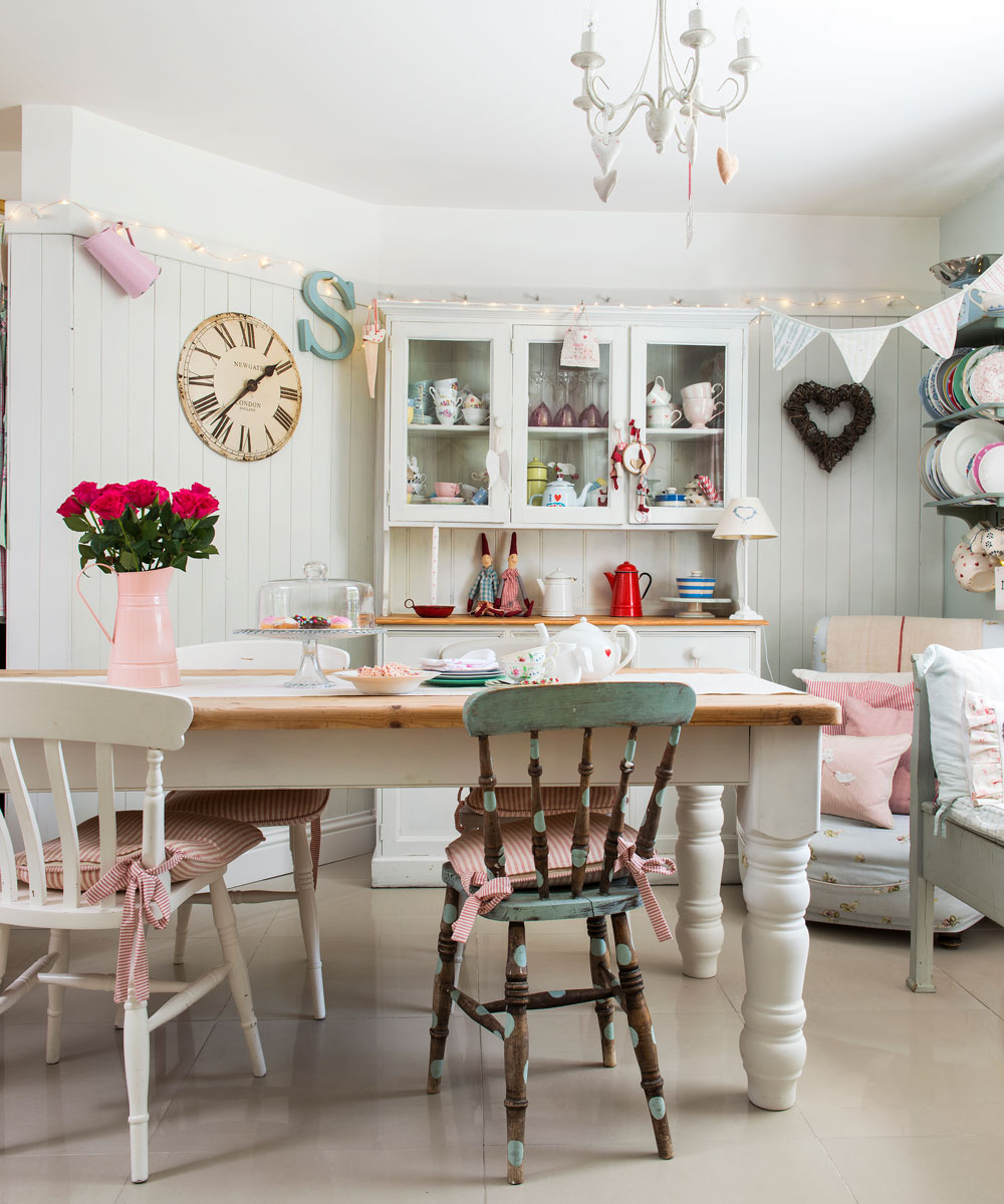 No Shabby Chic Dining E Would Be Complete Without A Well Worn Table Although White Is Key Pastel Hues Also Contribute To The Look Paint And Distress