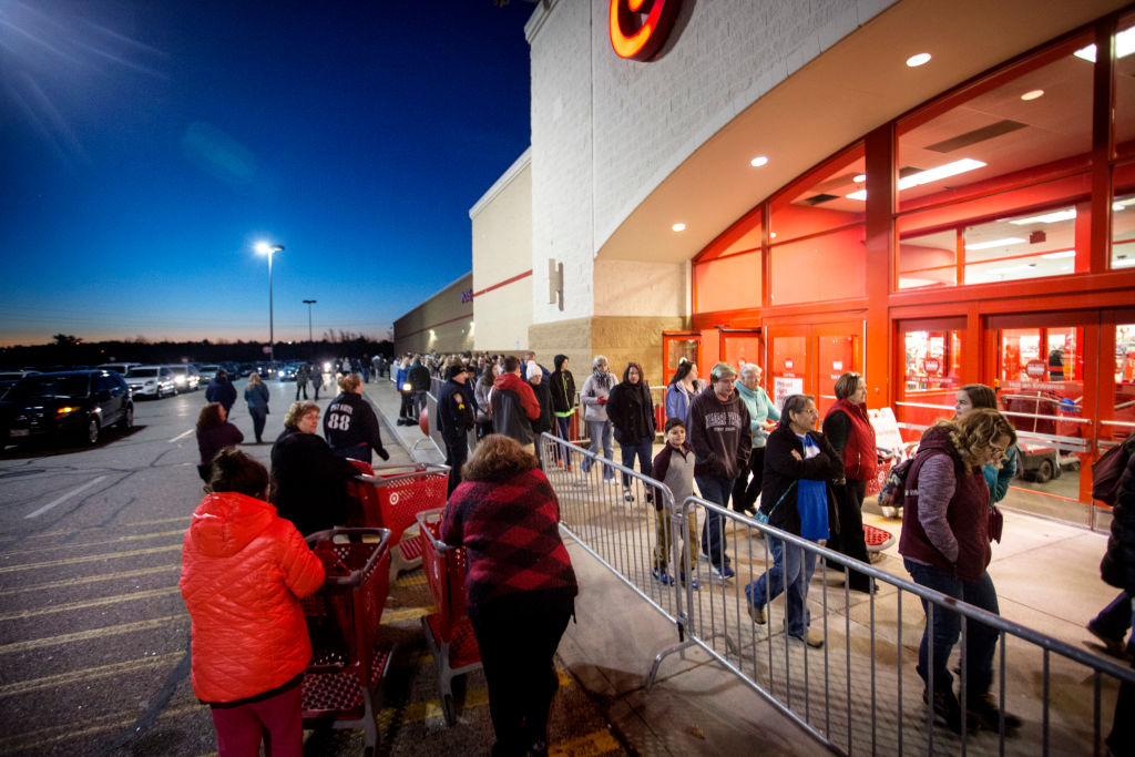 Here Are All the Stores Open and Closed on Thanksgiving 2018