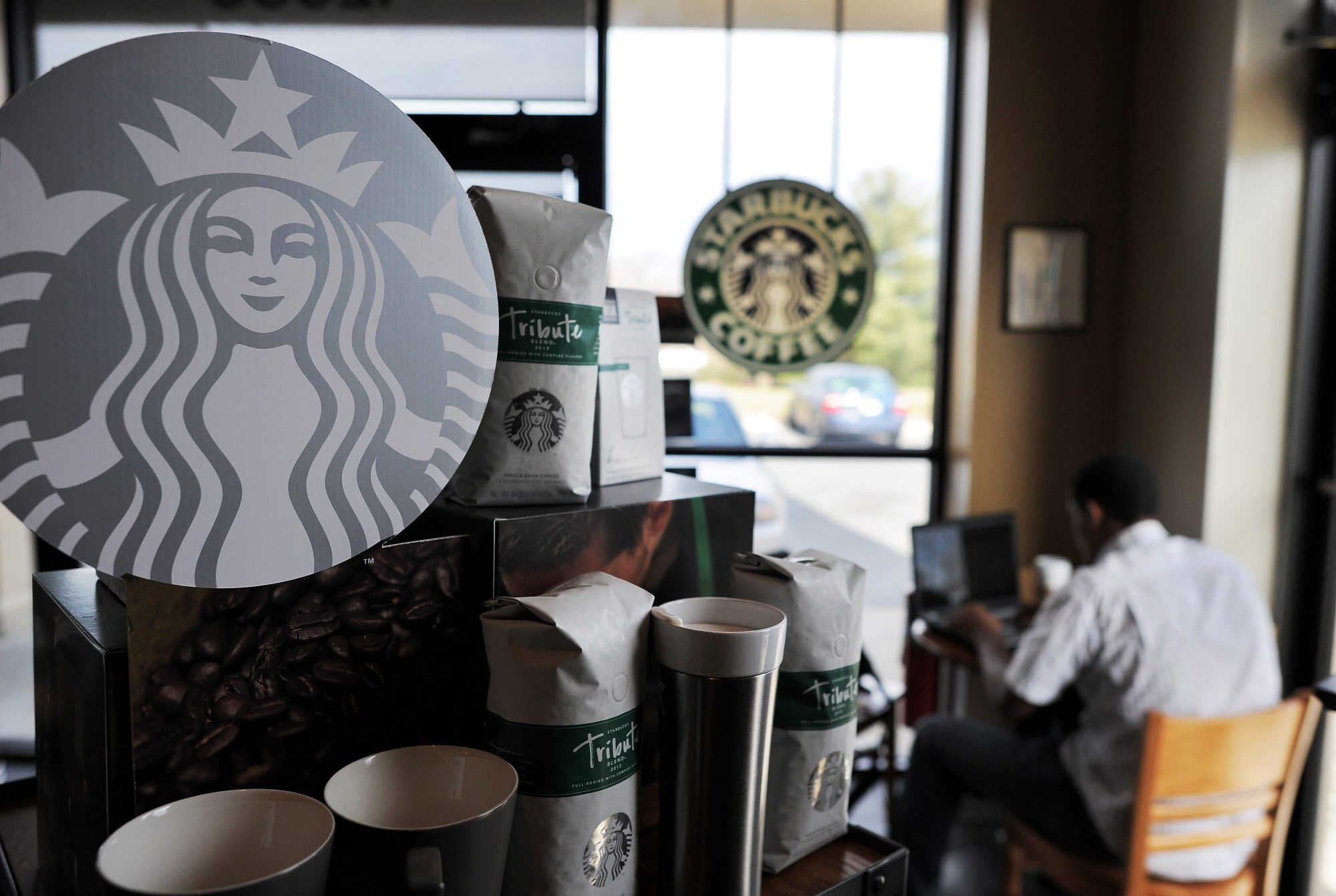 Starbucks to Block Porn From Its Free Wifi in 2019, Report Says