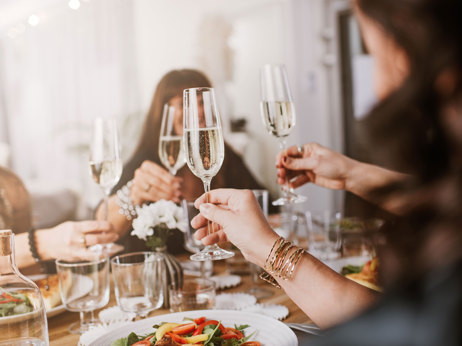The Ultimate Holiday Dinner Party Planning Guide