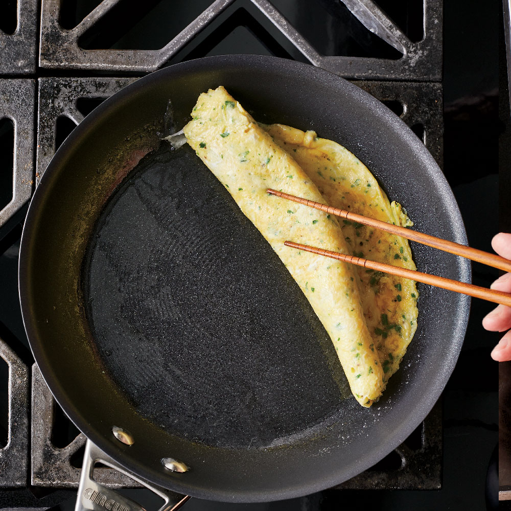 How to Make a Rolled Omelet - Roll