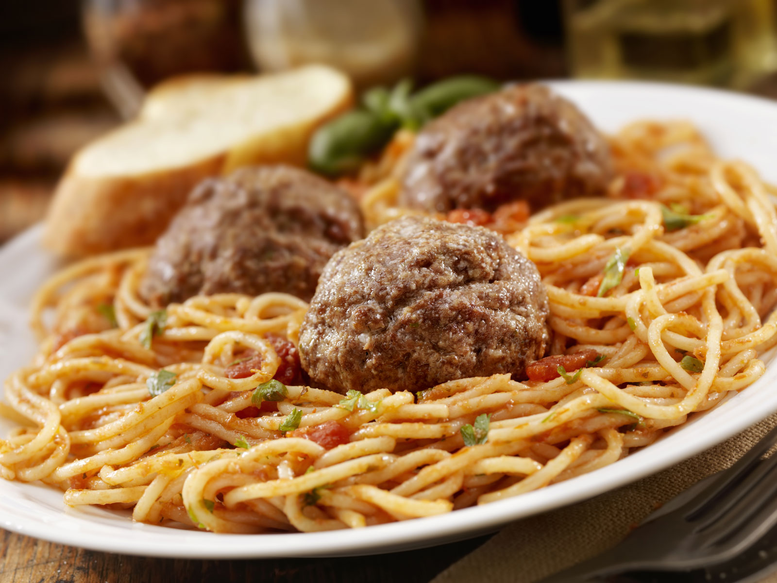 Excessive Restaurant Portions Are Not Just an American Phenomenon, Says Study