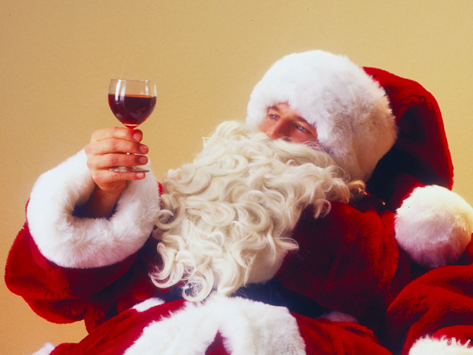 Professional Santas Get a Free Glass of Port at This Members Only Club