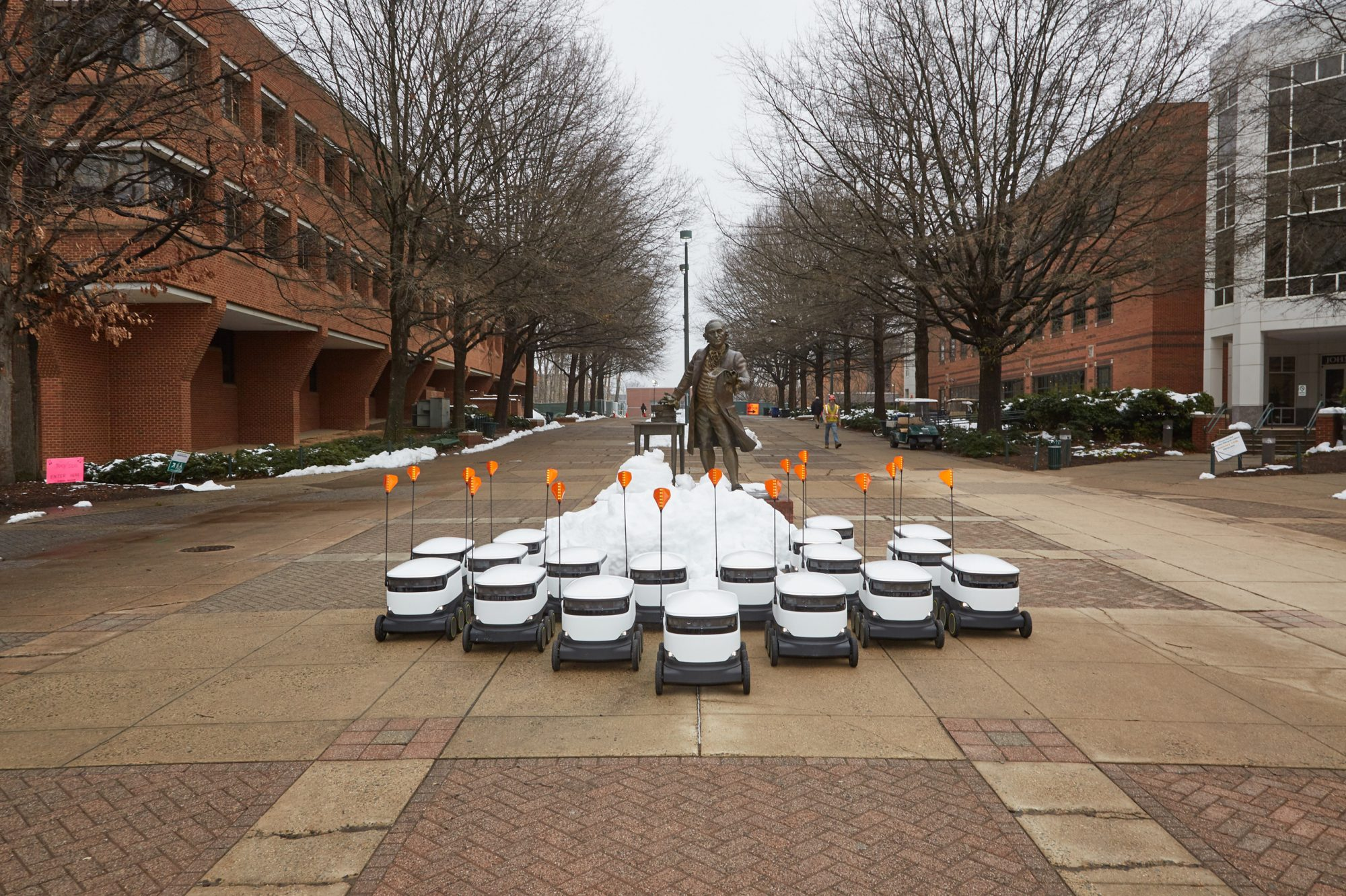 This Is the First College to Include Food Delivery Robots in Its Meal Plan