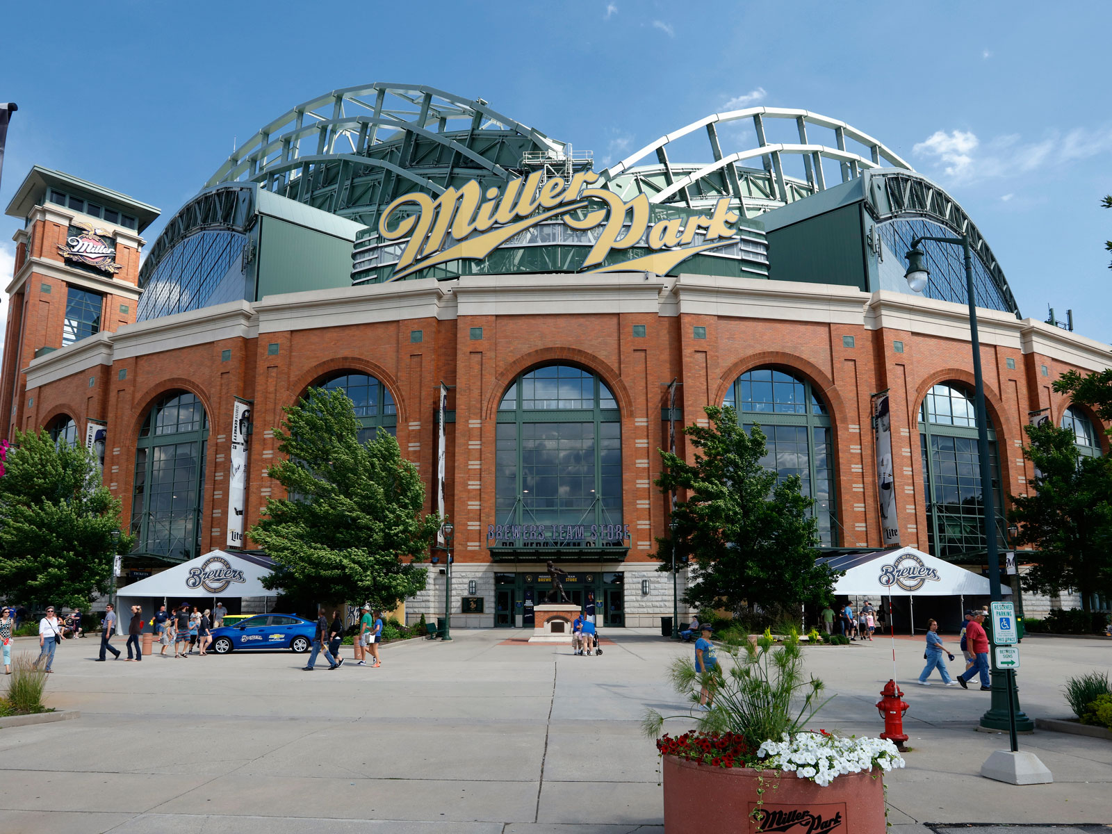 The Milwaukee Brewers' Ballpark Will No Longer Be Named After a Brewery