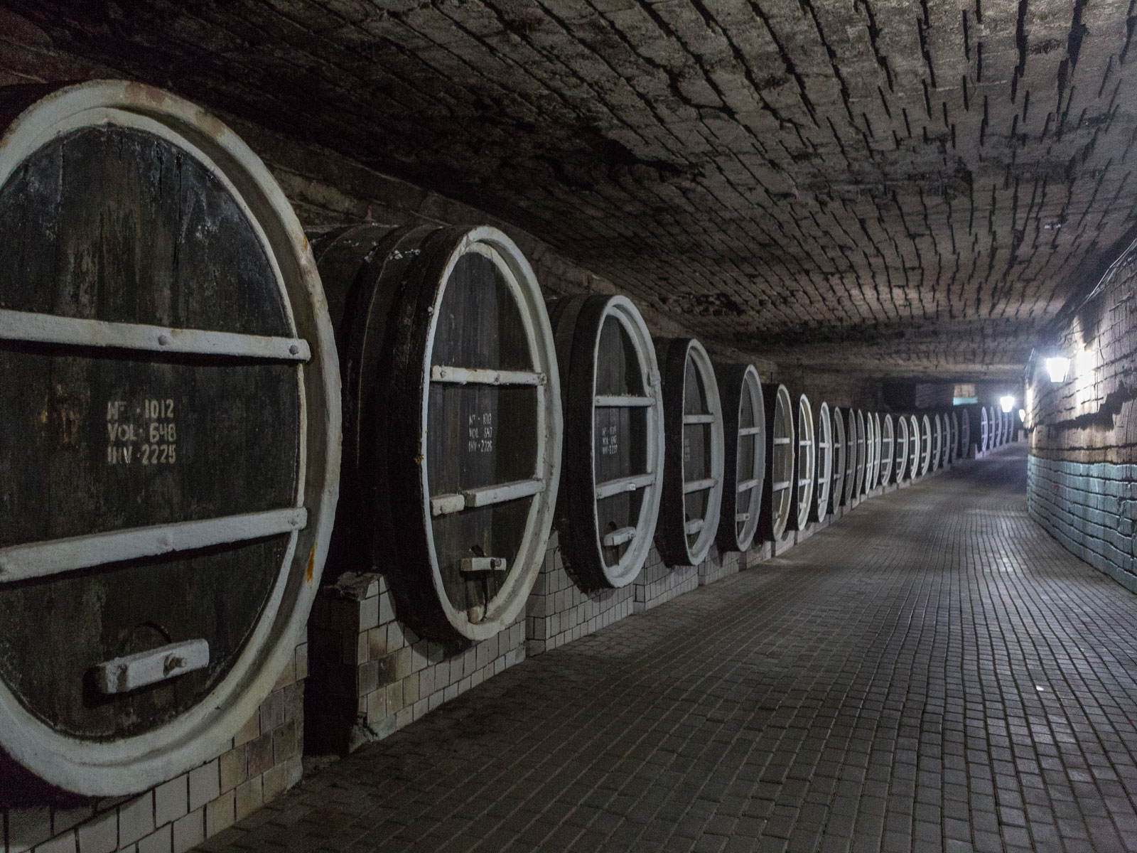This Winery Held a 10K Run in Its Massive Cellar