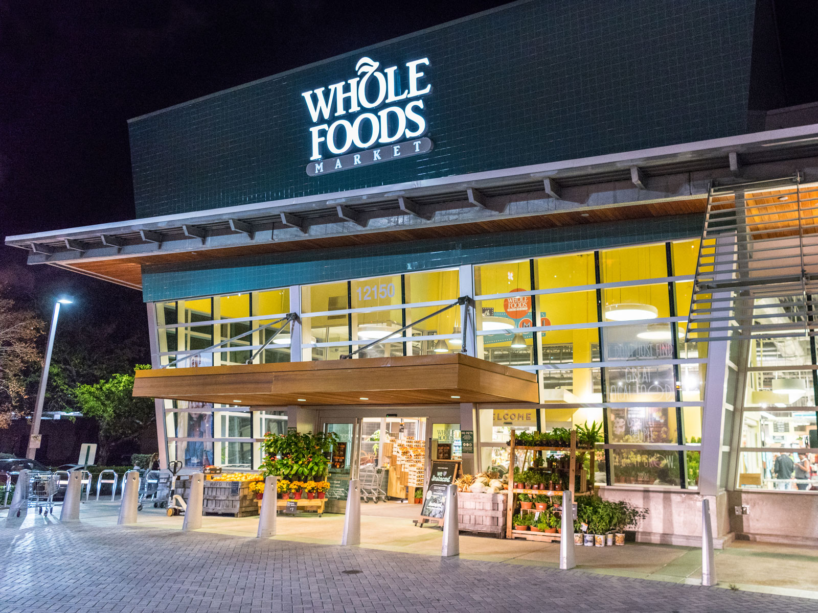 Amazon Plans Whole Foods Expansion to Reach as Many Customers as Possible