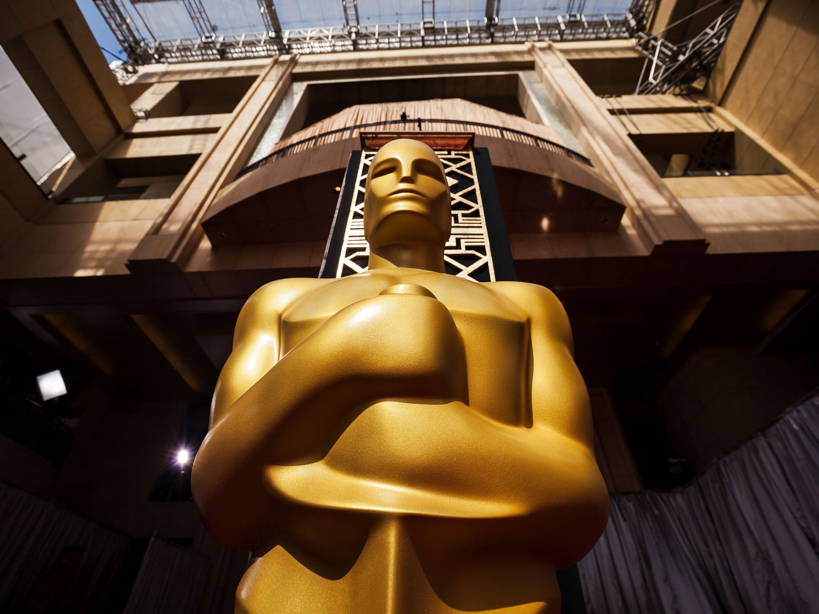 Academy Awards Statue