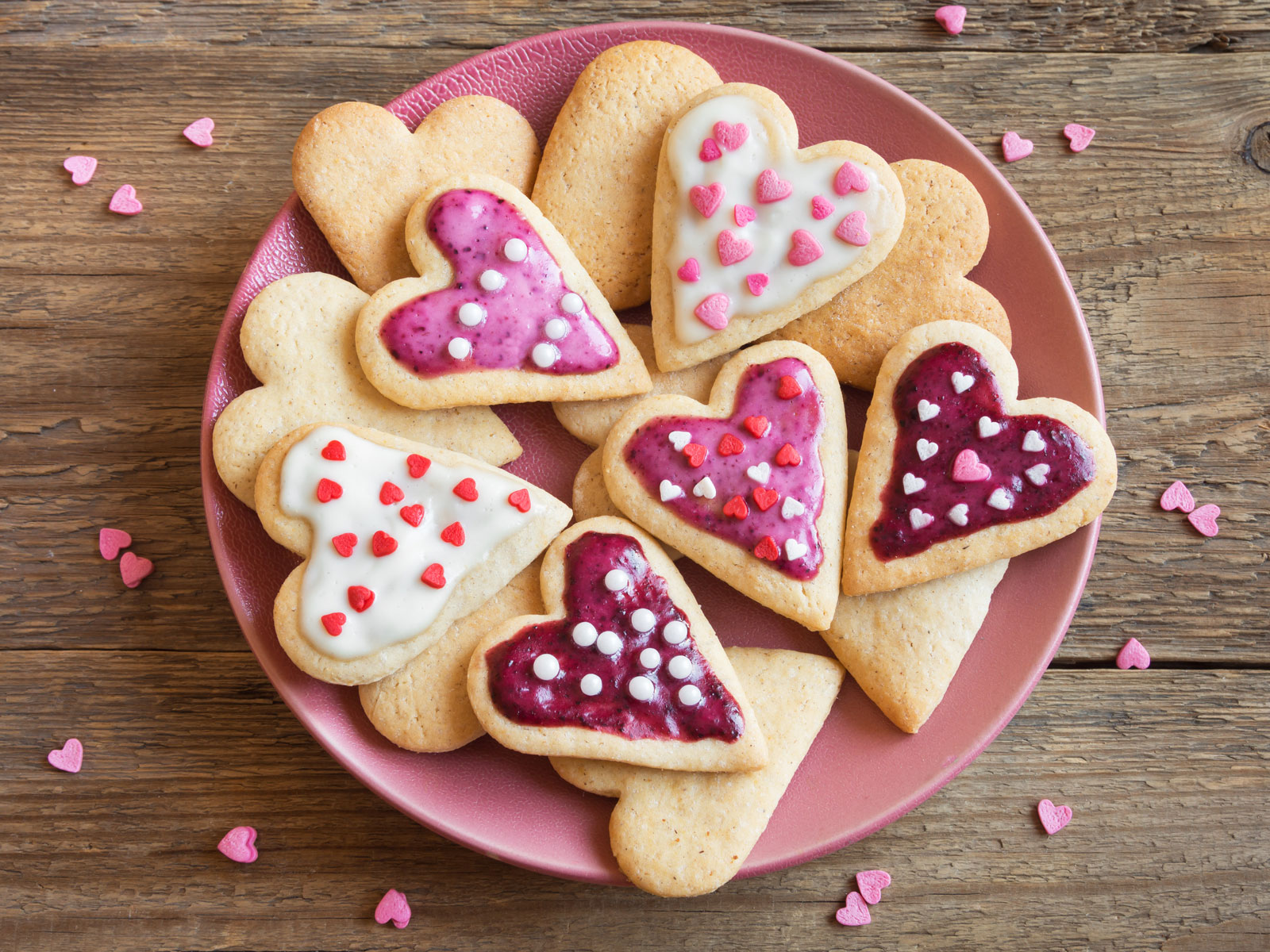 Valentine's Day Deals: Where to Find Free Food and Other Discounts for You and Your Sweetheart