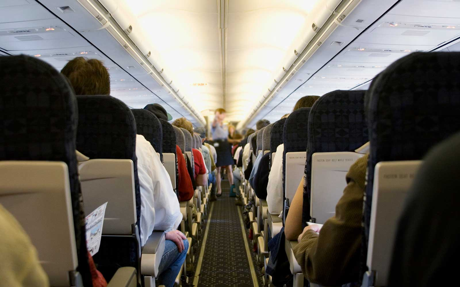 This Is the Single Best Way to Defend Yourself Against Airplane Germs